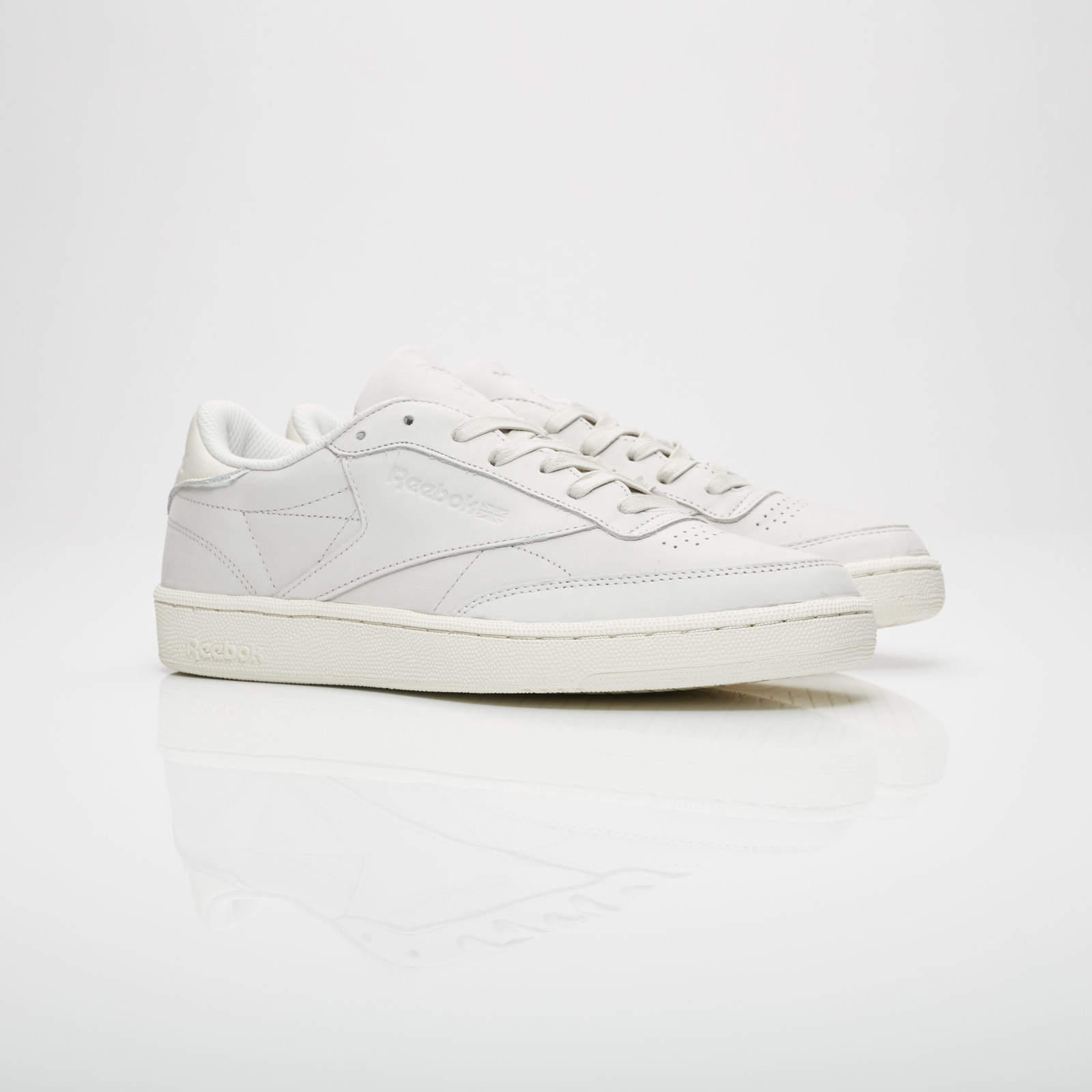 reebok club c 85 rs trainers in white
