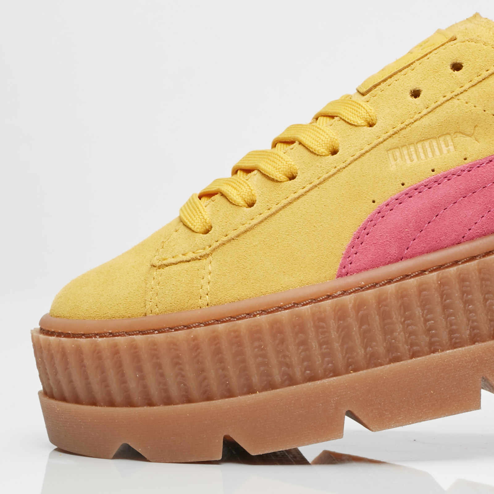cc269ebd584 Puma Cleated Creeper Suede Wns - 366268-03 - Sneakersnstuff ...