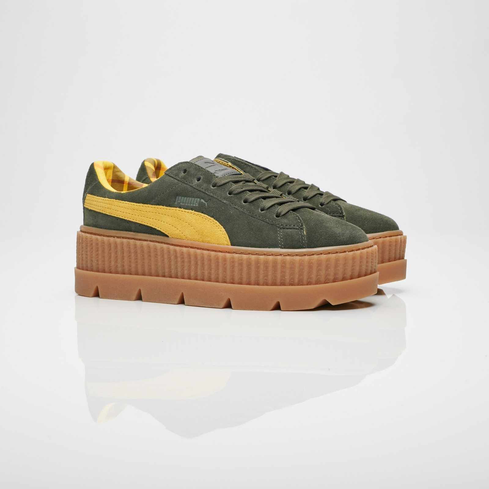 Puma Cleated Creeper Suede Wns - 366268-01 - Sneakersnstuff ... 8dcc0b03c