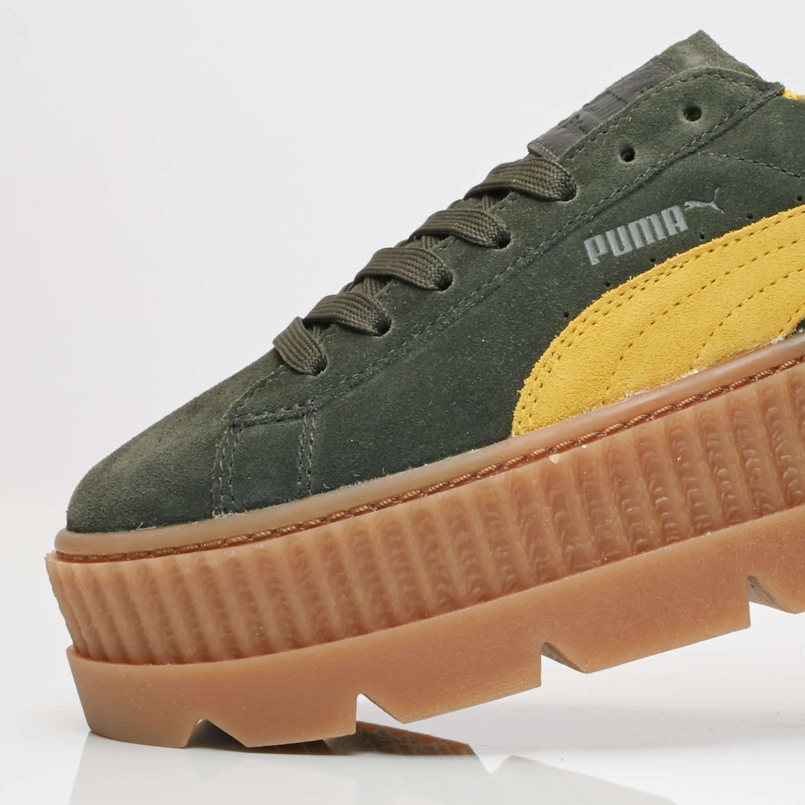 463be9159967 Puma Cleated Creeper Suede Wns - 366268-01 - Sneakersnstuff ...