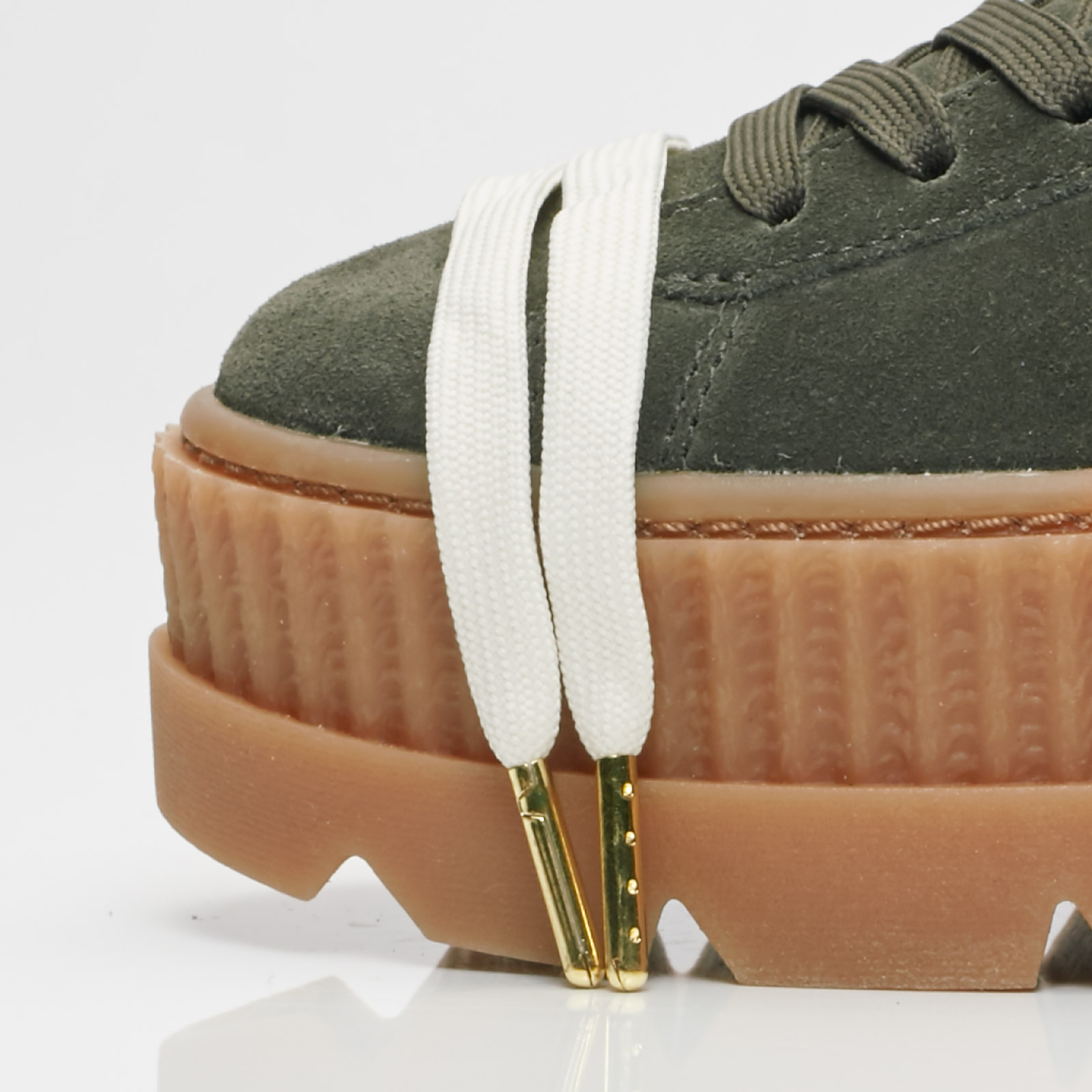 2458641266b5 Puma Cleated Creeper Suede Wns - 366268-01 - Sneakersnstuff ...