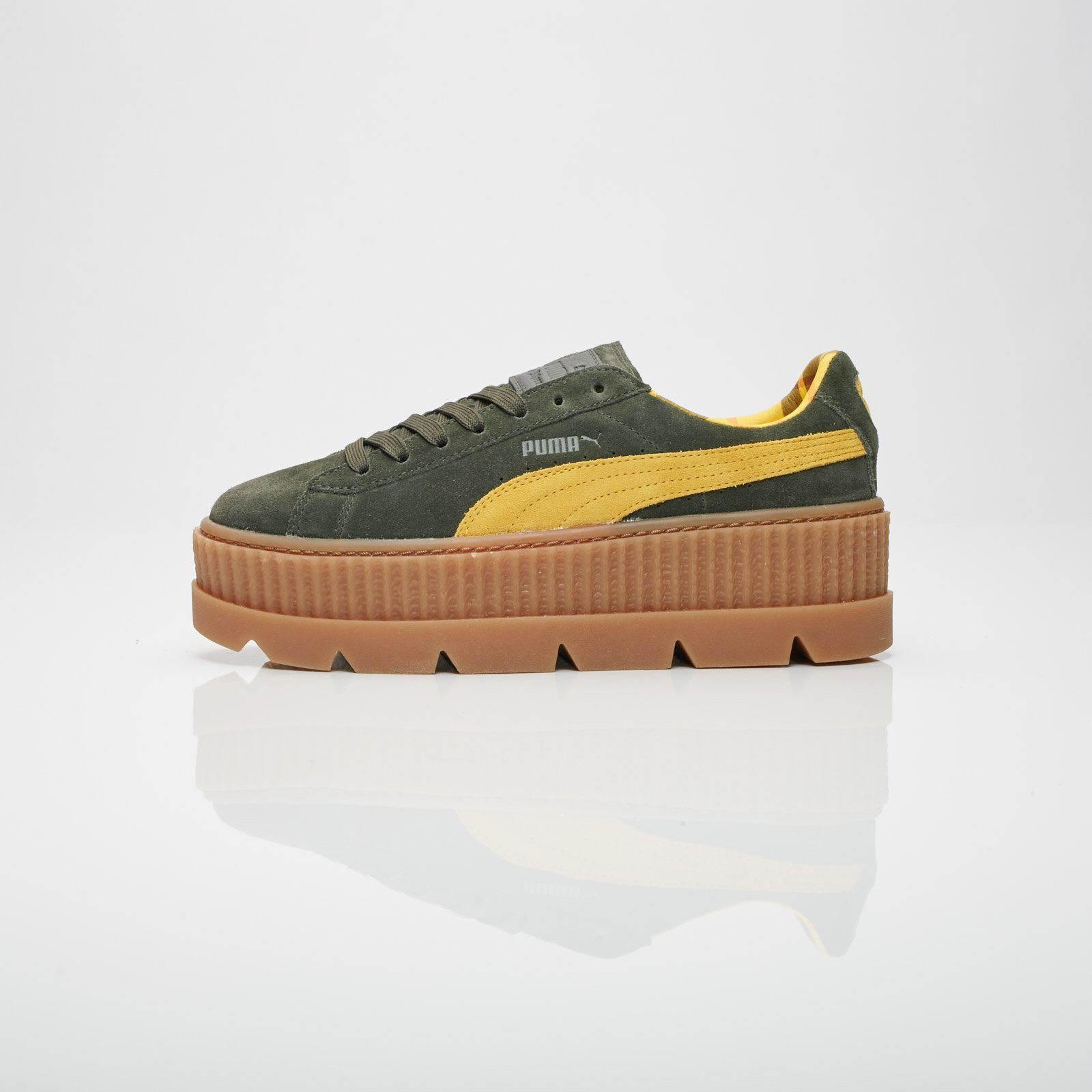 075f3aec39d0fc Puma Cleated Creeper Suede Wns - 366268-01 - Sneakersnstuff ...