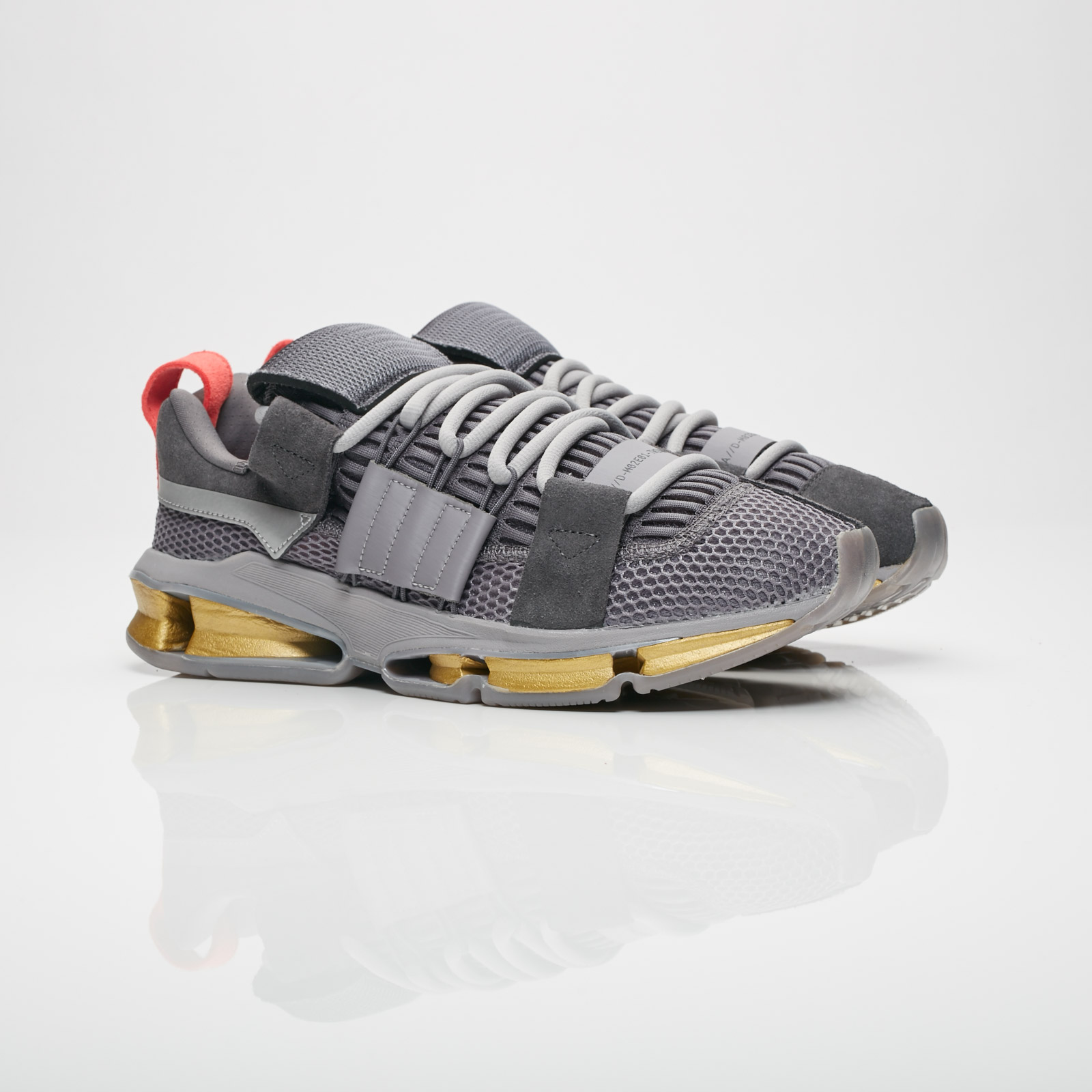 online store 4fcce 53c9b adidas Consortium Twinstrike AD