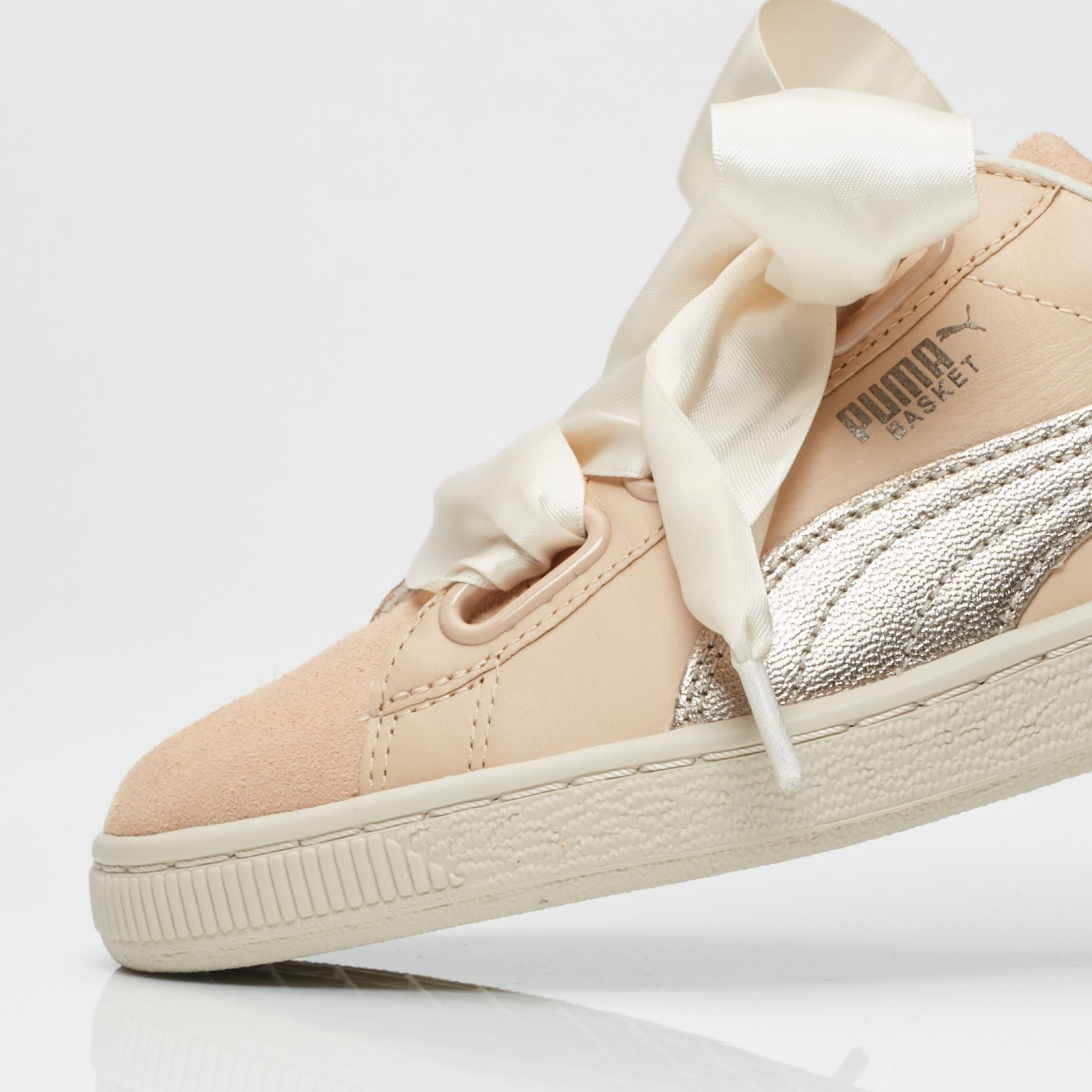 sports shoes 5ab0b 09ab3 Puma Basket Heart Up Wns - 364955-01 - Sneakersnstuff ...
