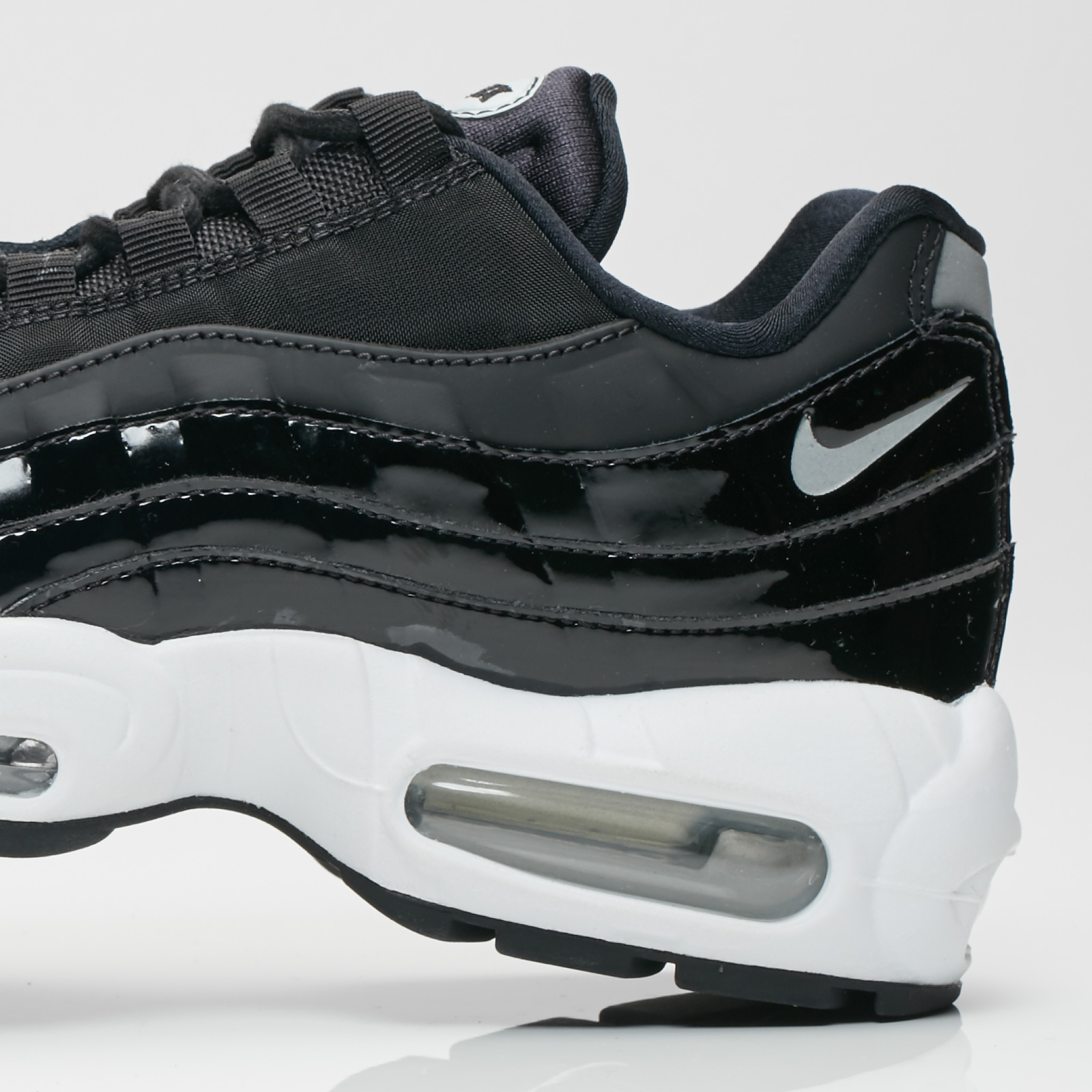 1f2713017e6 Nike Wmns Air Max 95 SE Premium - Ah8697-001 - Sneakersnstuff ...