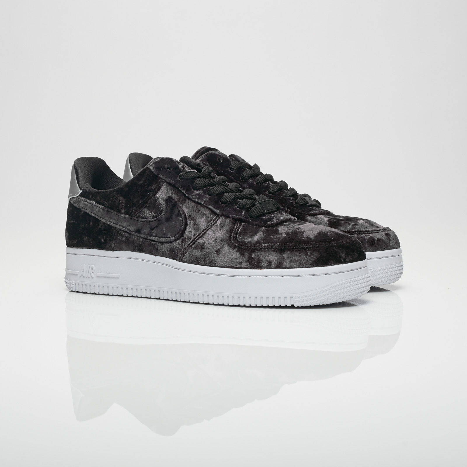 Nike Wmns Air Force 1 Low (Summit White Metallic Silver