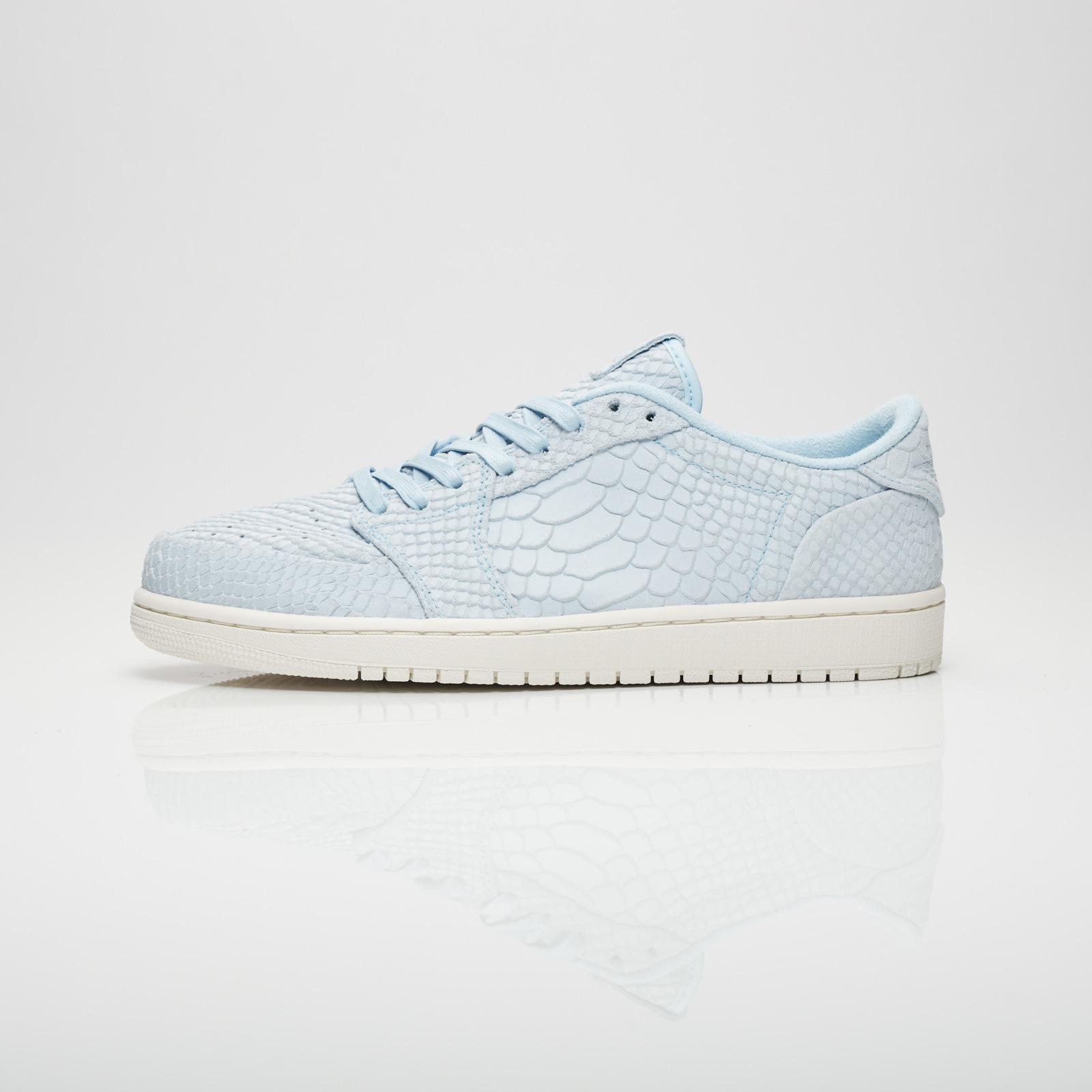 856d43c5a8e1 Jordan Brand Air Jordan 1 Retro Low NS - 872782-441 - Sneakersnstuff ...