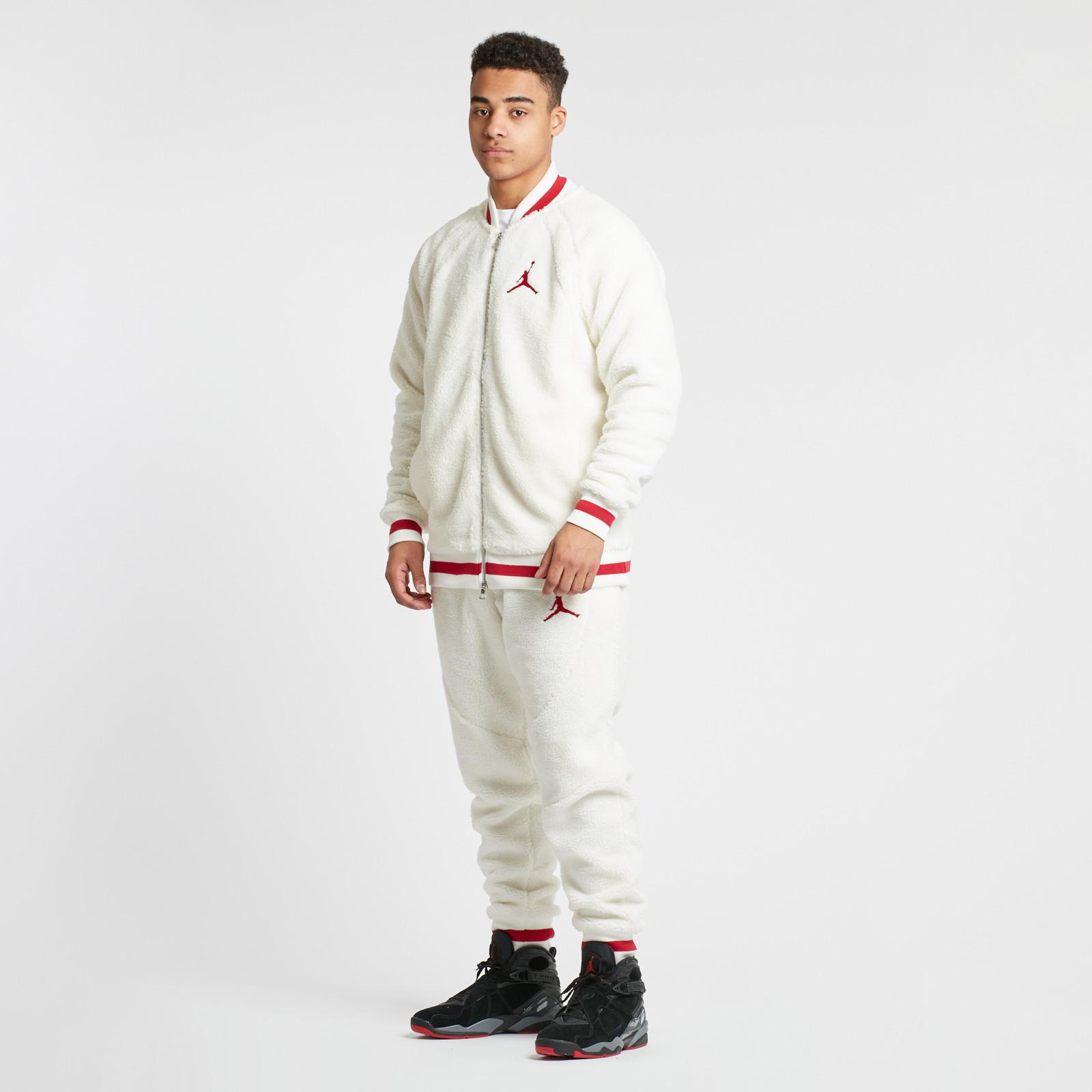 competitive price fedb5 3f13b Jordan Brand Shearling AJ1 Fleece Jacket - 6. Close