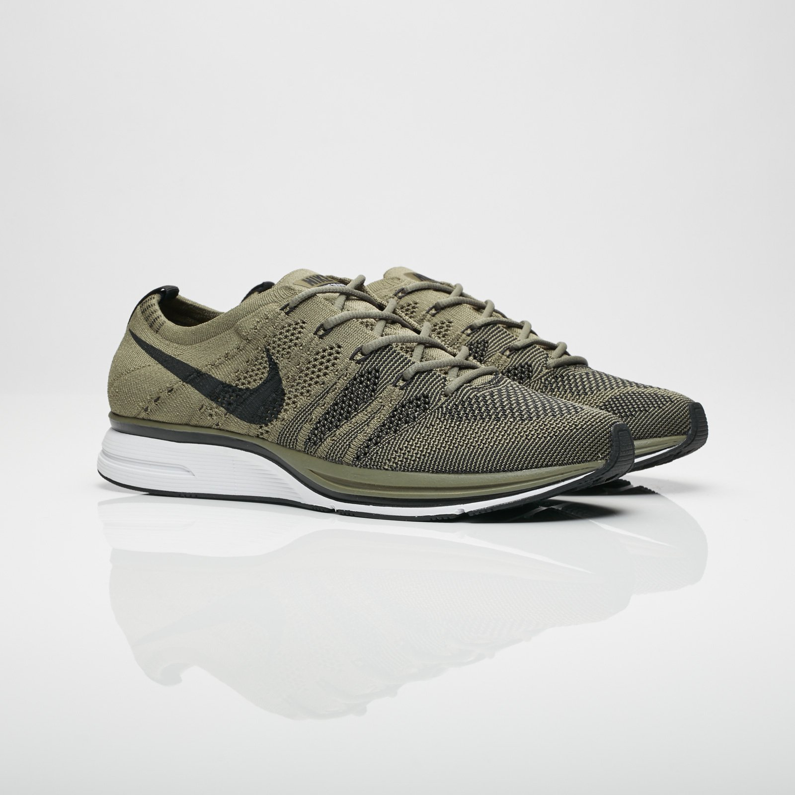 fdd092b0cb76 Nike Flyknit Trainer - Ah8396-200 - Sneakersnstuff