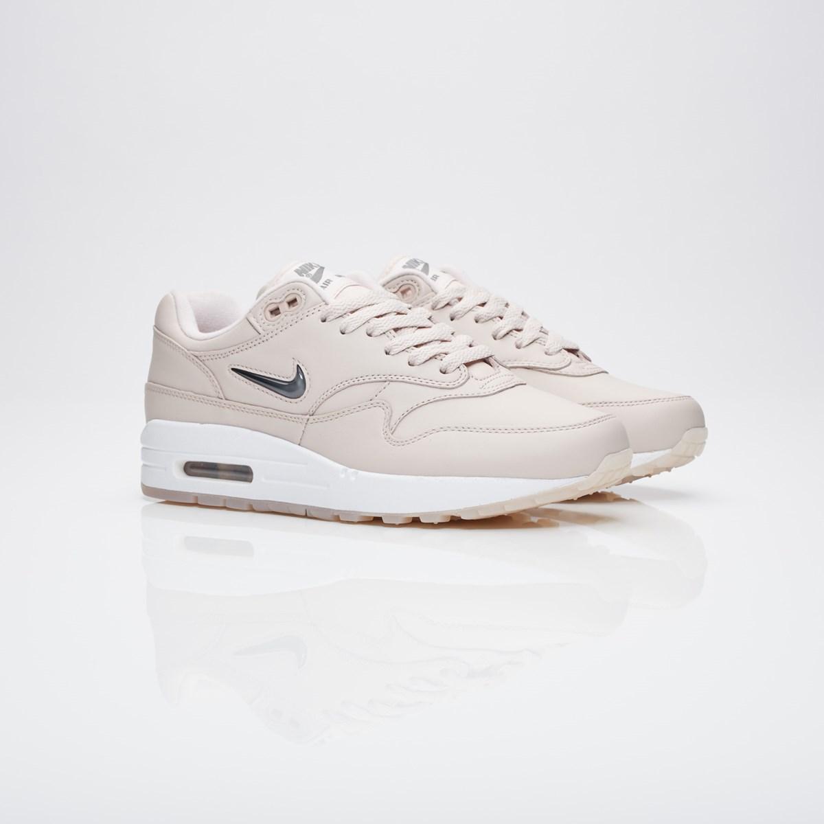 Sneakersnstuff The Nike Air Max 1 Premium SC