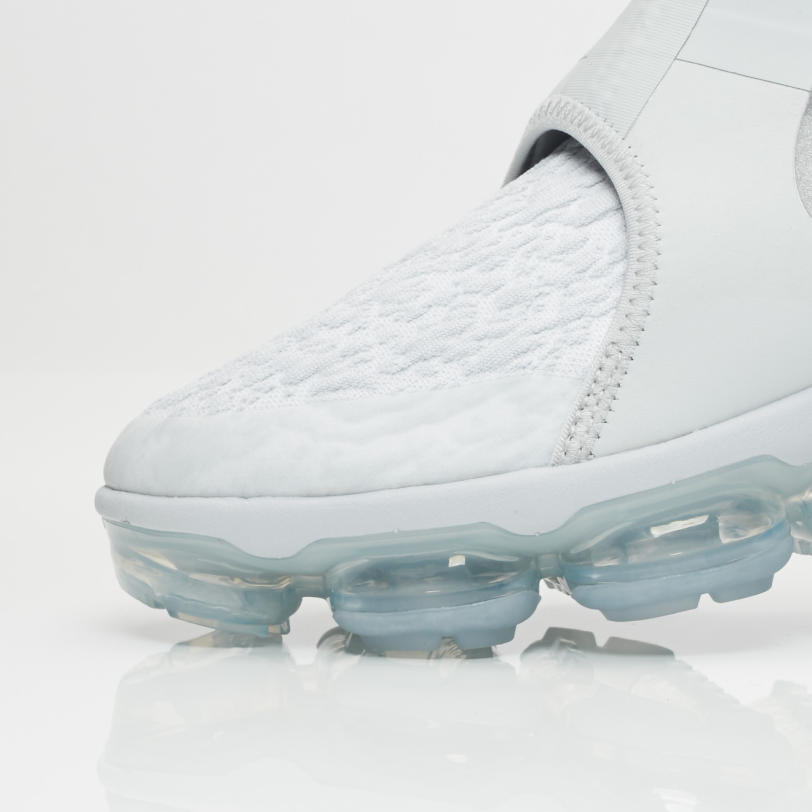 1c2ed213d34 Nike Nike Air Vapormax Chukka Slip - Ao9326-001 - Sneakersnstuff ...