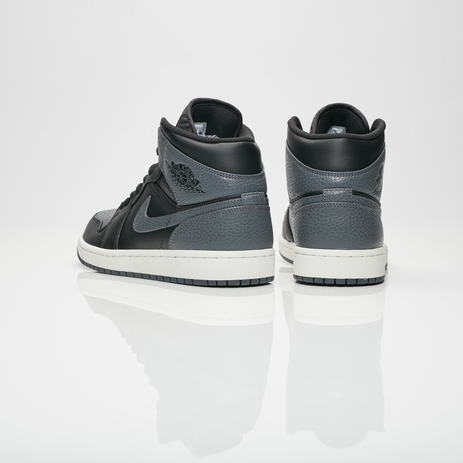 brand new 70d92 1729e Jordan Brand Air Jordan 1 Mid - 554724-041 - Sneakersnstuff   sneakers    streetwear online since 1999