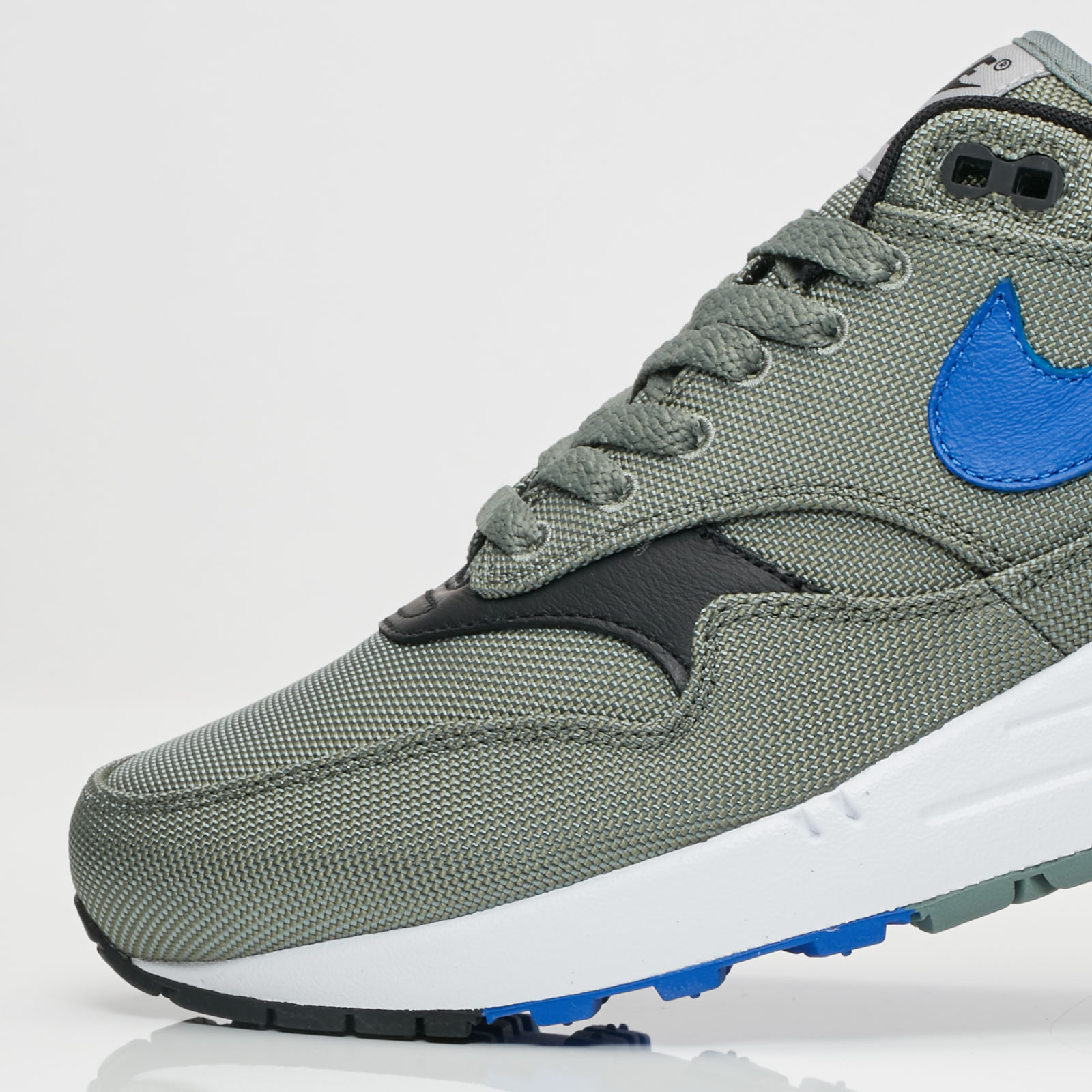 buy online 1d675 6d340 Nike Sportswear Air Max 1 Premium - 6. Close