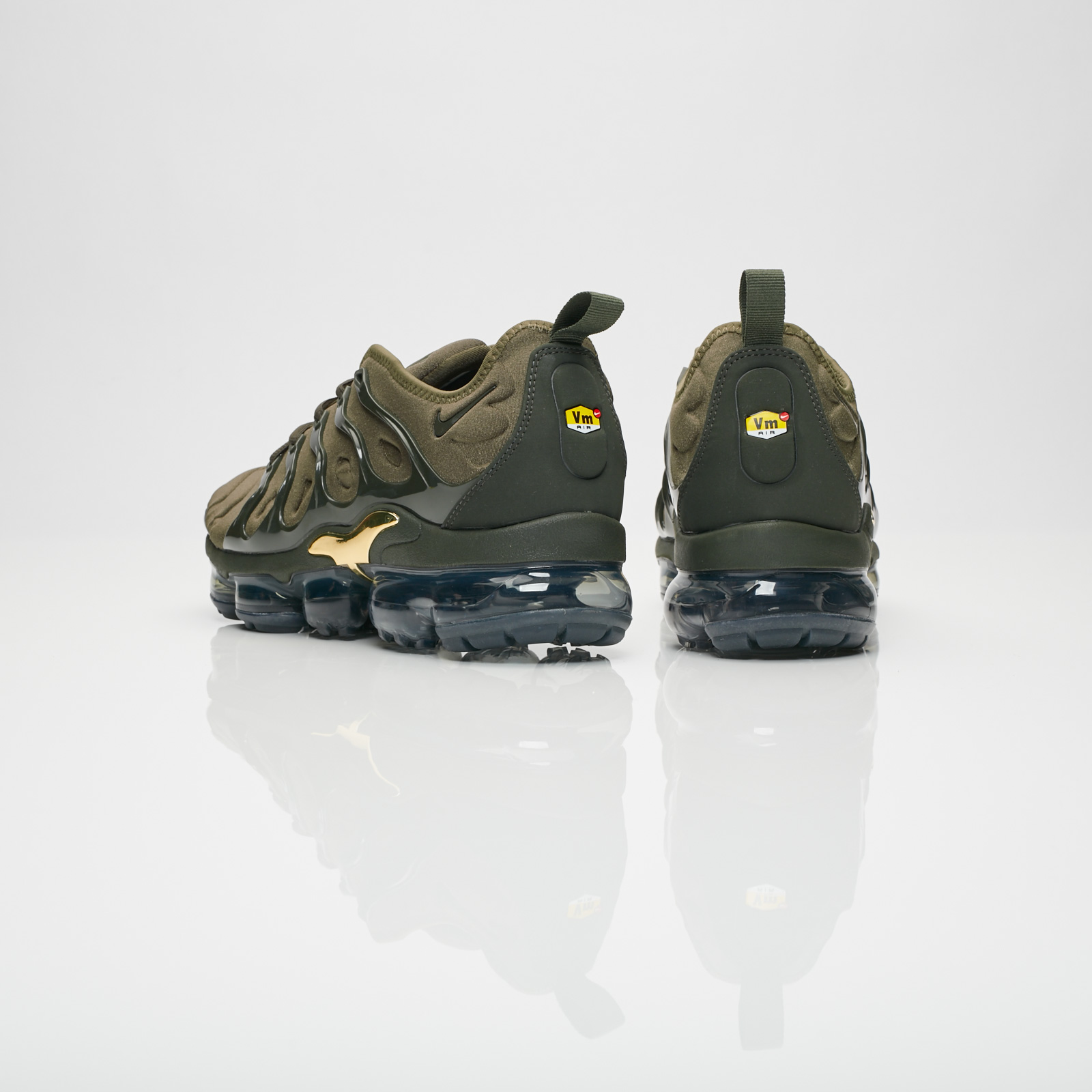 68ada398b52 Nike Air Vapormax Plus - 924453-300 - Sneakersnstuff