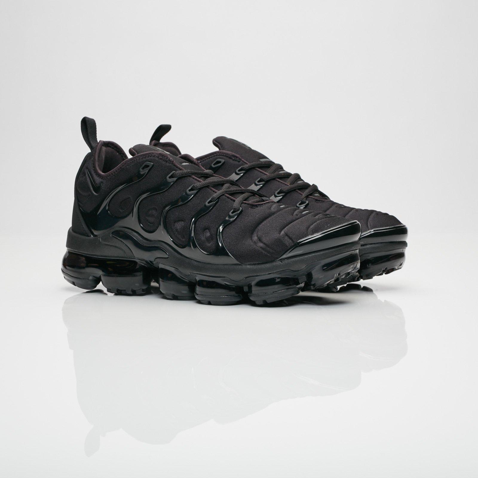 b639d6840f2ba Nike Air Vapormax Plus - 924453-004 - Sneakersnstuff   sneakers ...