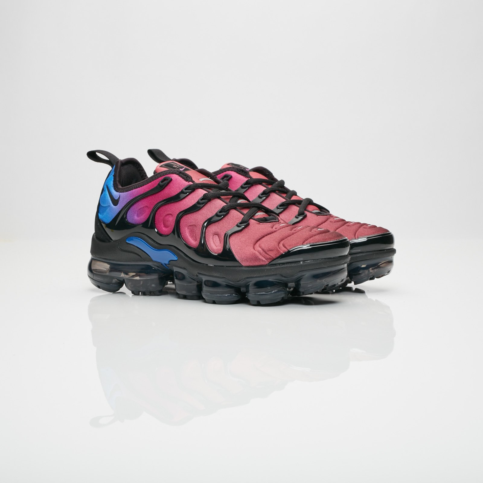 c1ccee06925 Nike Wmns Air Vapormax Plus - Ao4550-001 - Sneakersnstuff