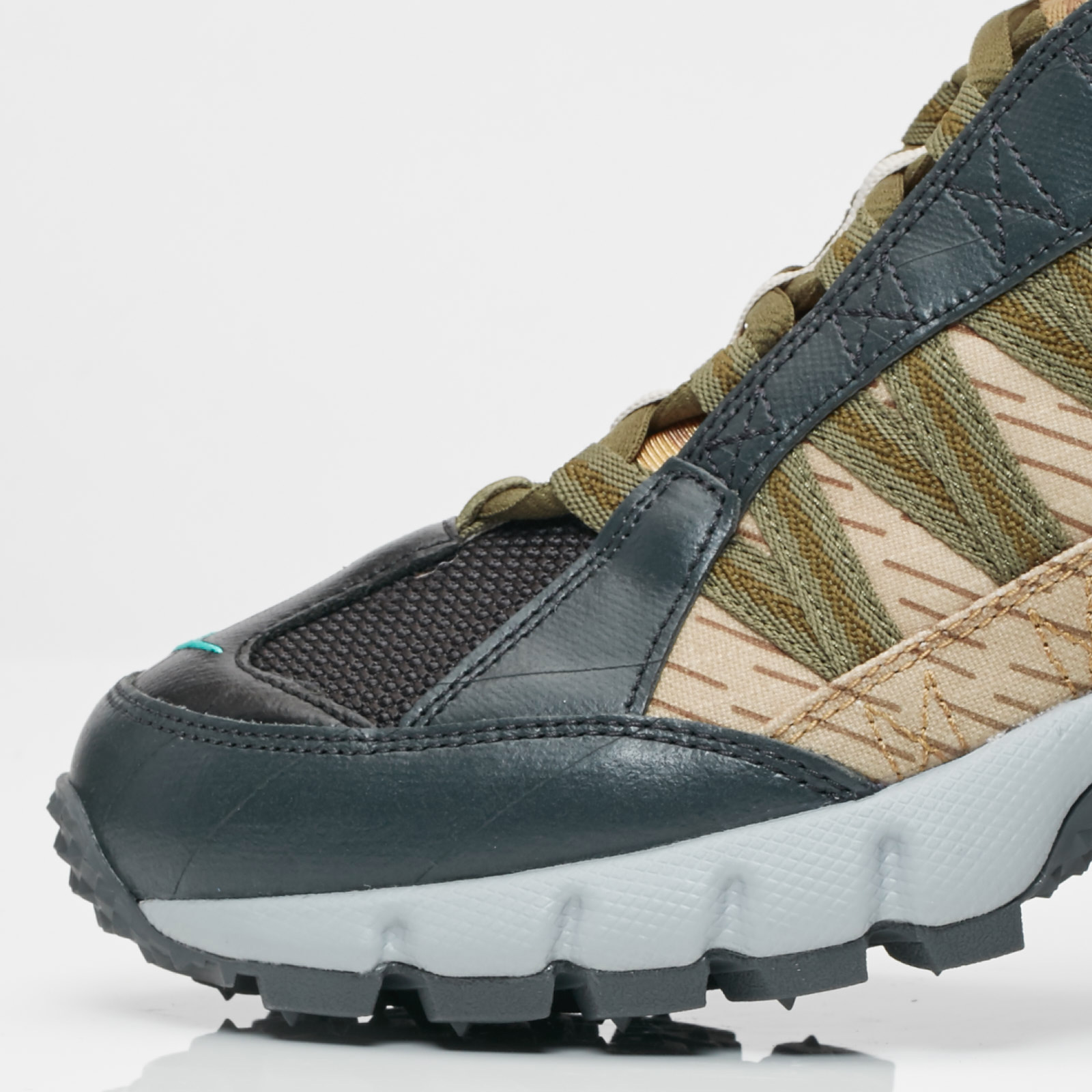 4f5446538e49 Nike Air Humara 17 Premium - Ao2606-001 - Sneakersnstuff