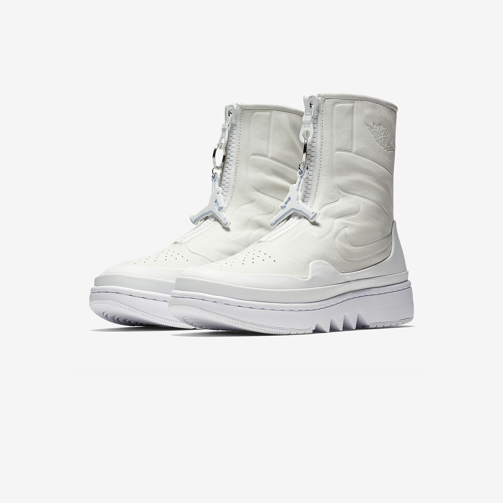 best sneakers 1de69 edbfb Jordan Brand Air Jordan 1 Jester XX THE 1, REIMAGINED - Ao1265-100 ...