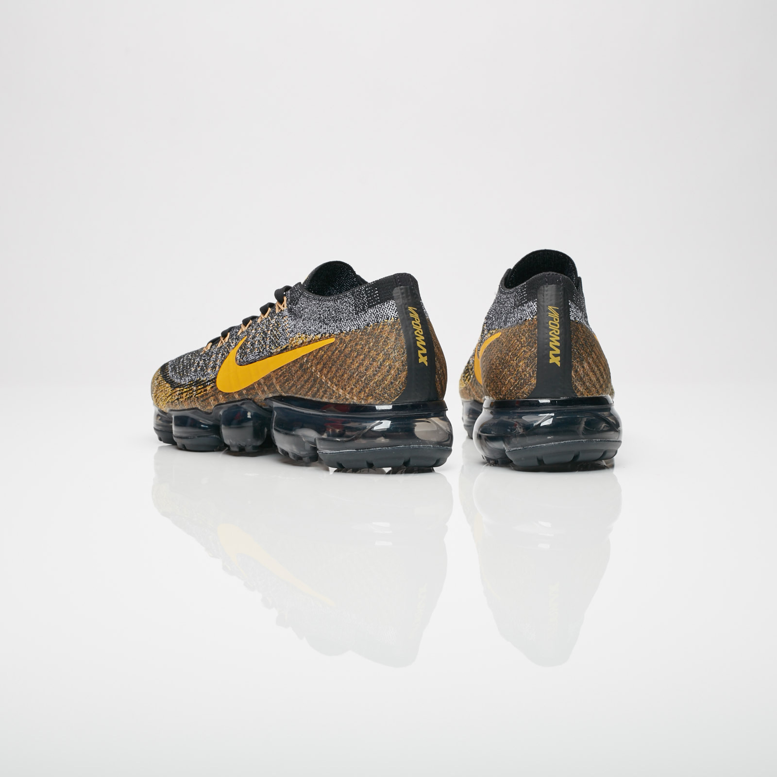 0bc3a89418820 Nike Air Vapormax Flyknit - 849558-021 - Sneakersnstuff