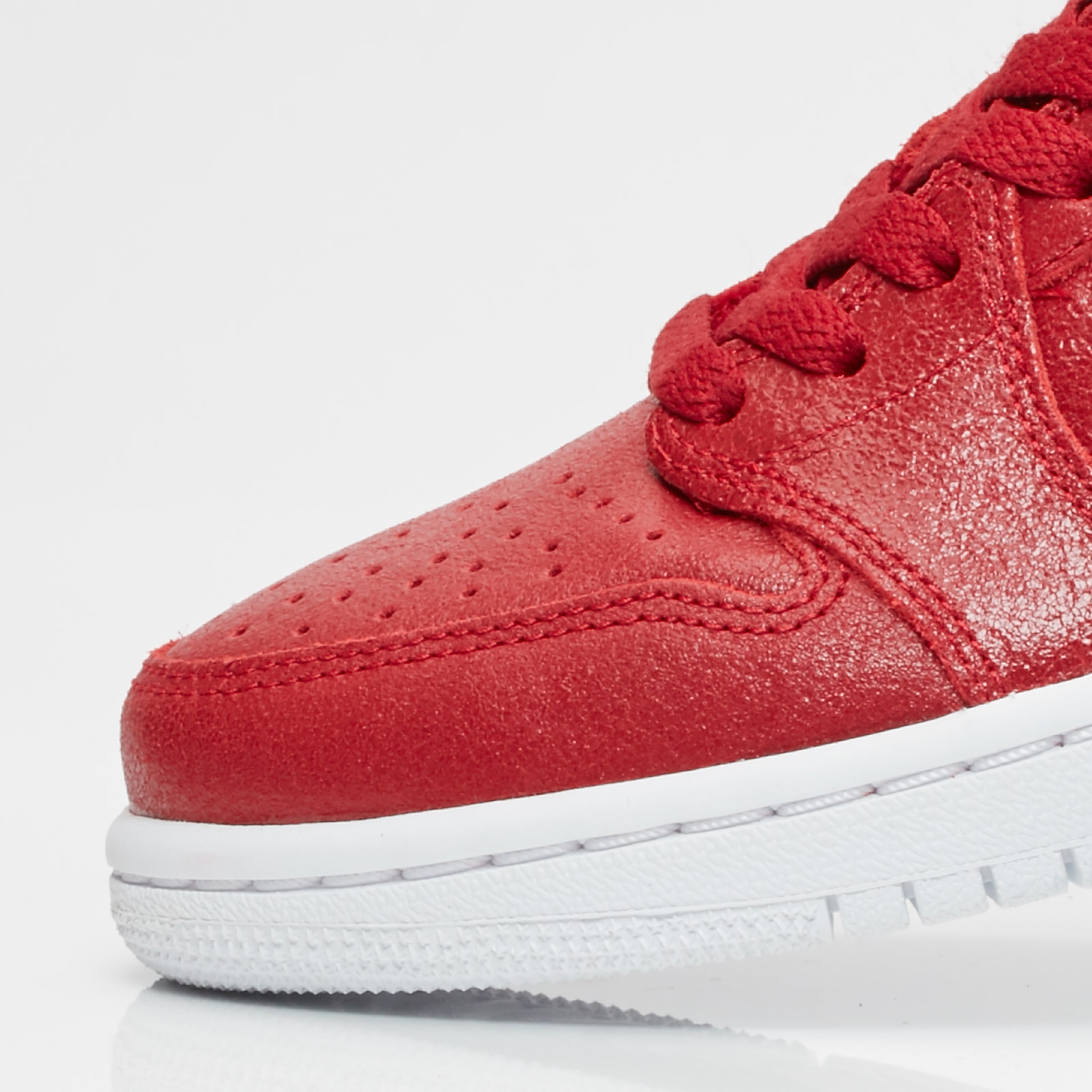 newest 416bd f3dff Jordan Brand Wmns Air Jordan 1 Retro Low NS - Ah7232-623 - Sneakersnstuff    sneakers   streetwear online since 1999