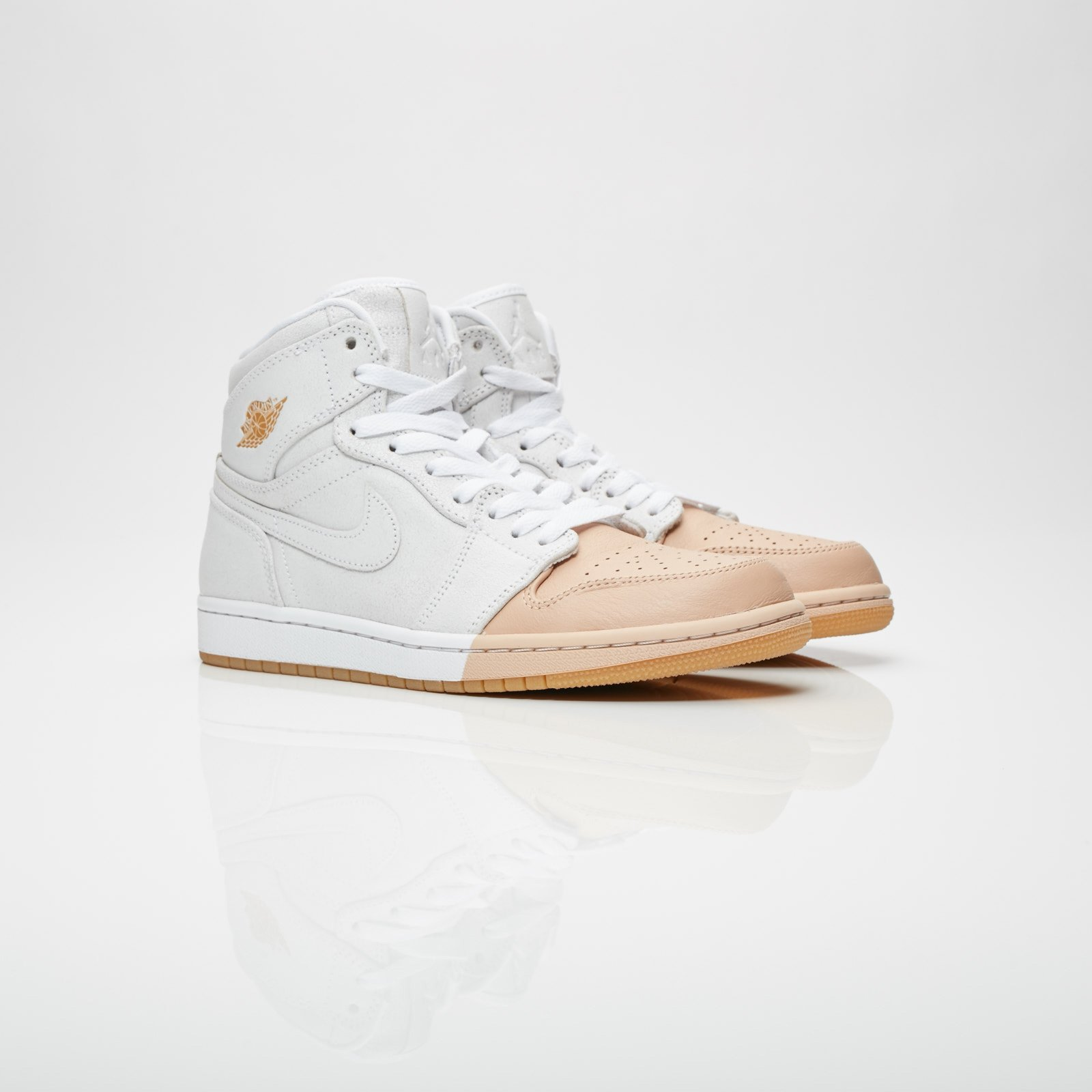 the latest 6fda4 137ad Jordan Brand Wmns Air Jordan 1 Retro Hi Premium