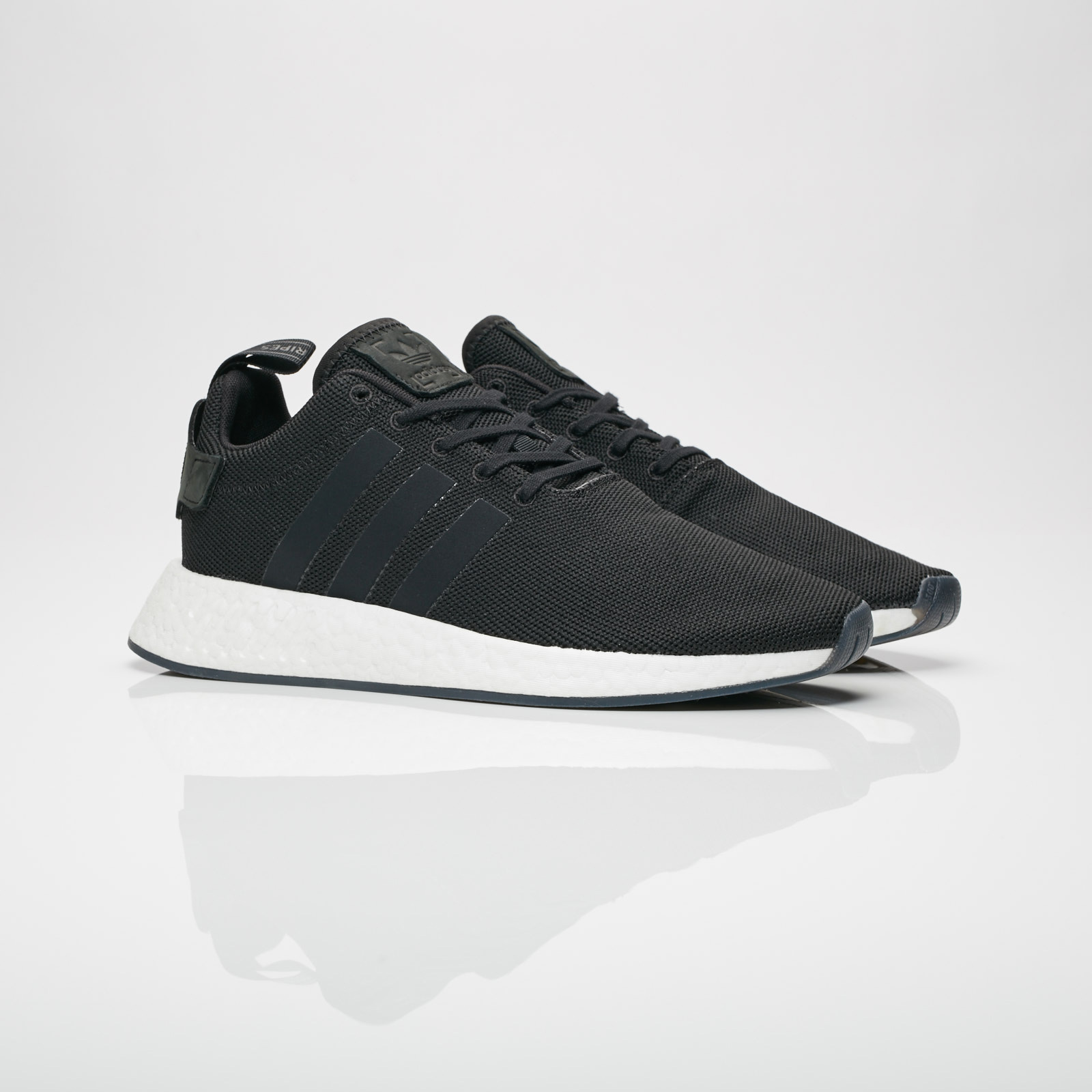outlet store e7a74 ce260 adidas NMD R2 - Cq2402 - Sneakersnstuff | sneakers ...