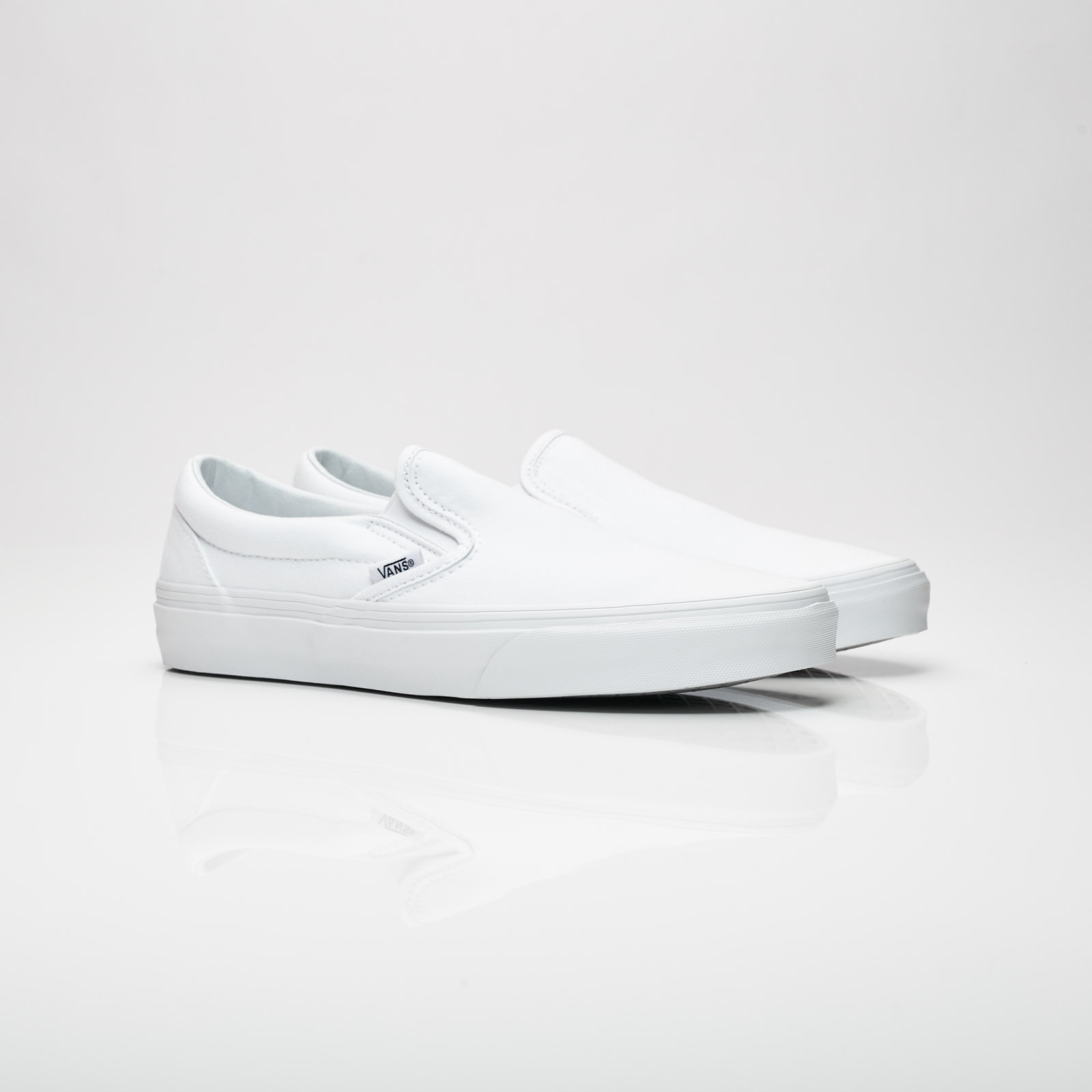 Vans Classic Slip-on(VEYEW00) - True White - 5 VZTW3