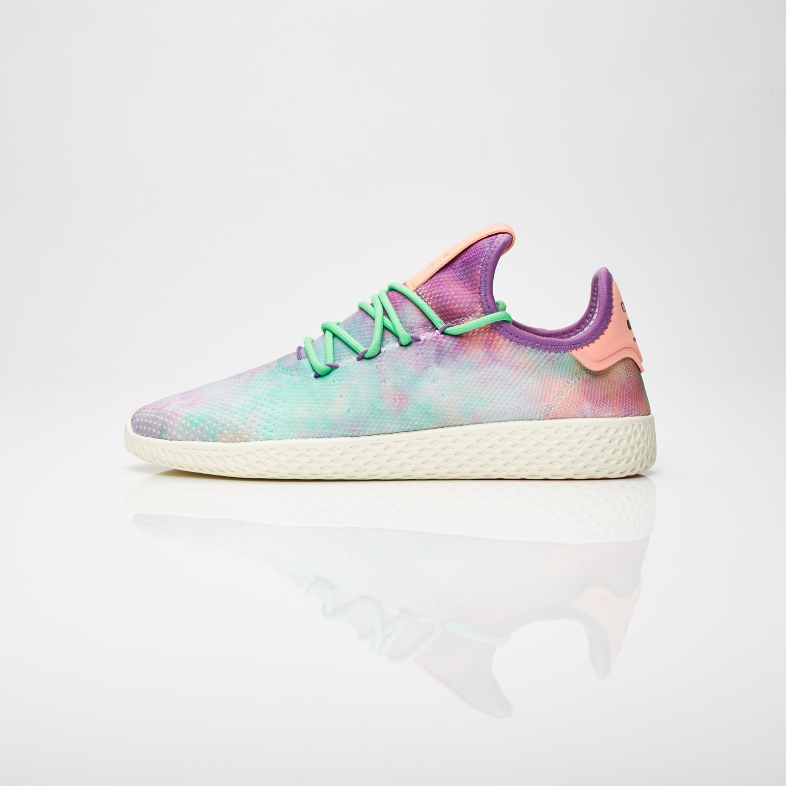 cheap for discount acaf2 df008 adidas Pharrell Williams HU Holi Tennis Hu MC - Ac7366 - Sneakersnstuff    sneakers   streetwear online since 1999