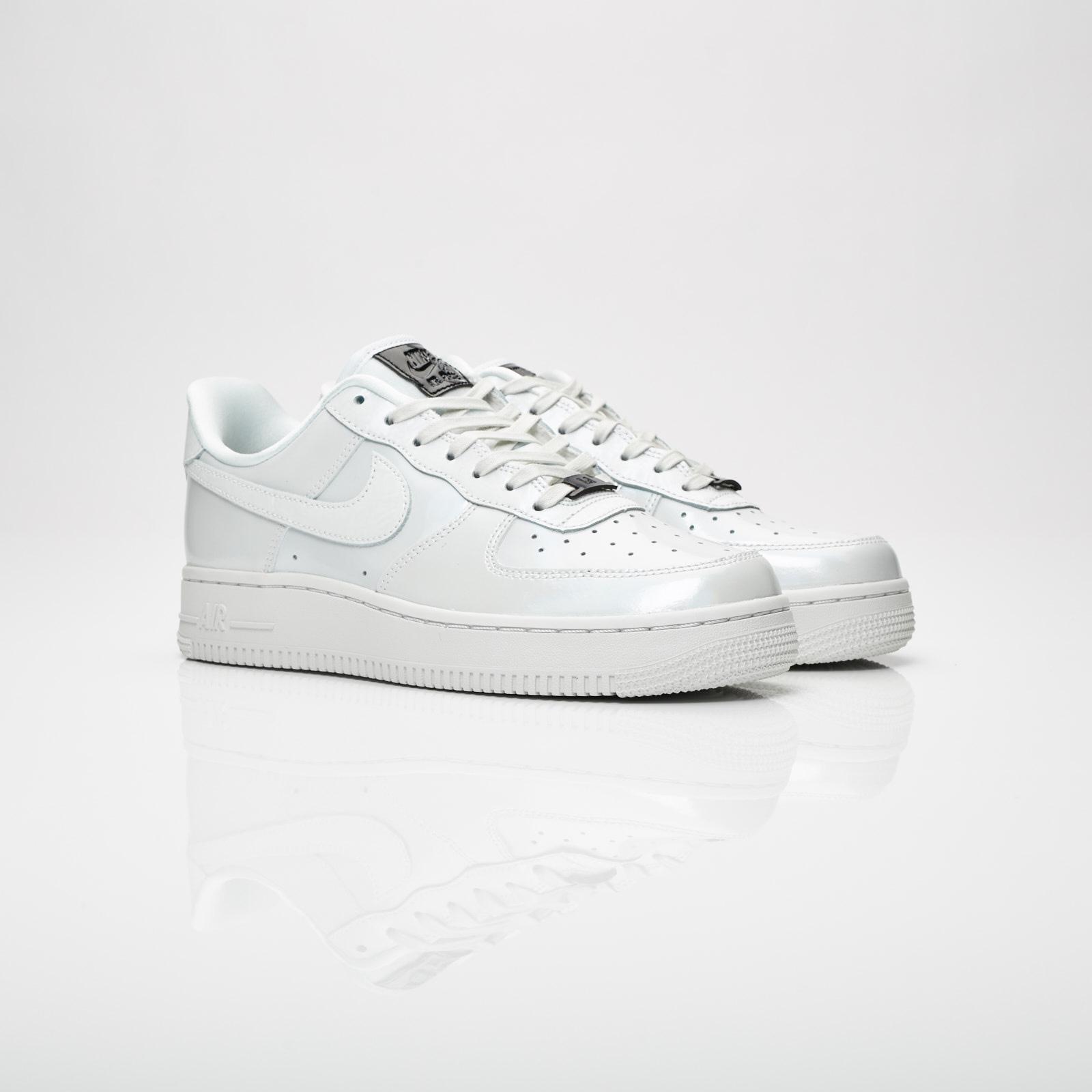 new style da90c 4c306 Nike Sportswear Wmns Air Force 1 07 LX