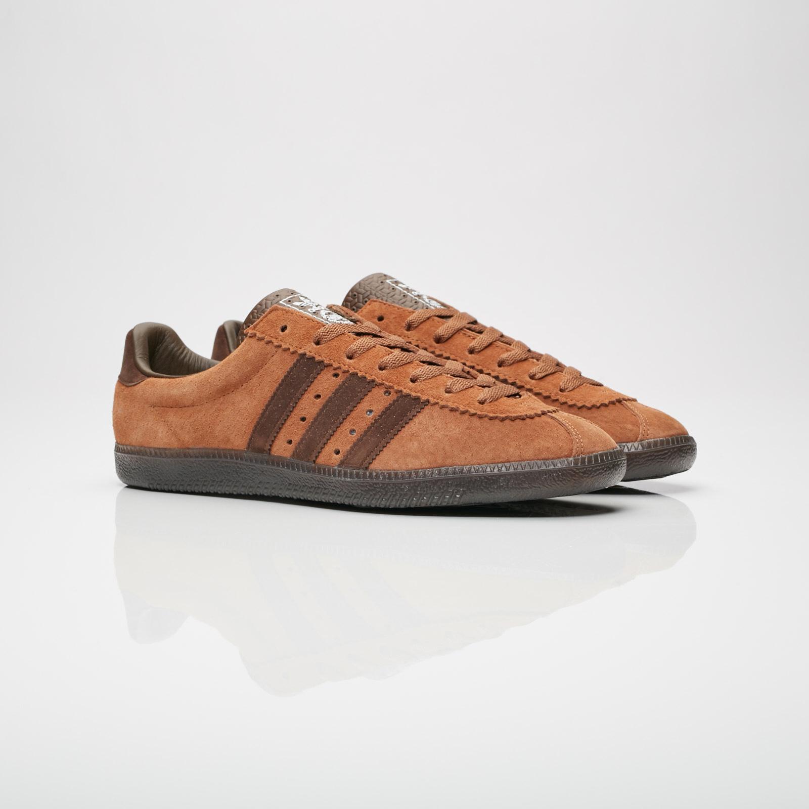volumen panorama pesado  adidas Padiham - Ac7746 - Sneakersnstuff   sneakers & streetwear online  since 1999