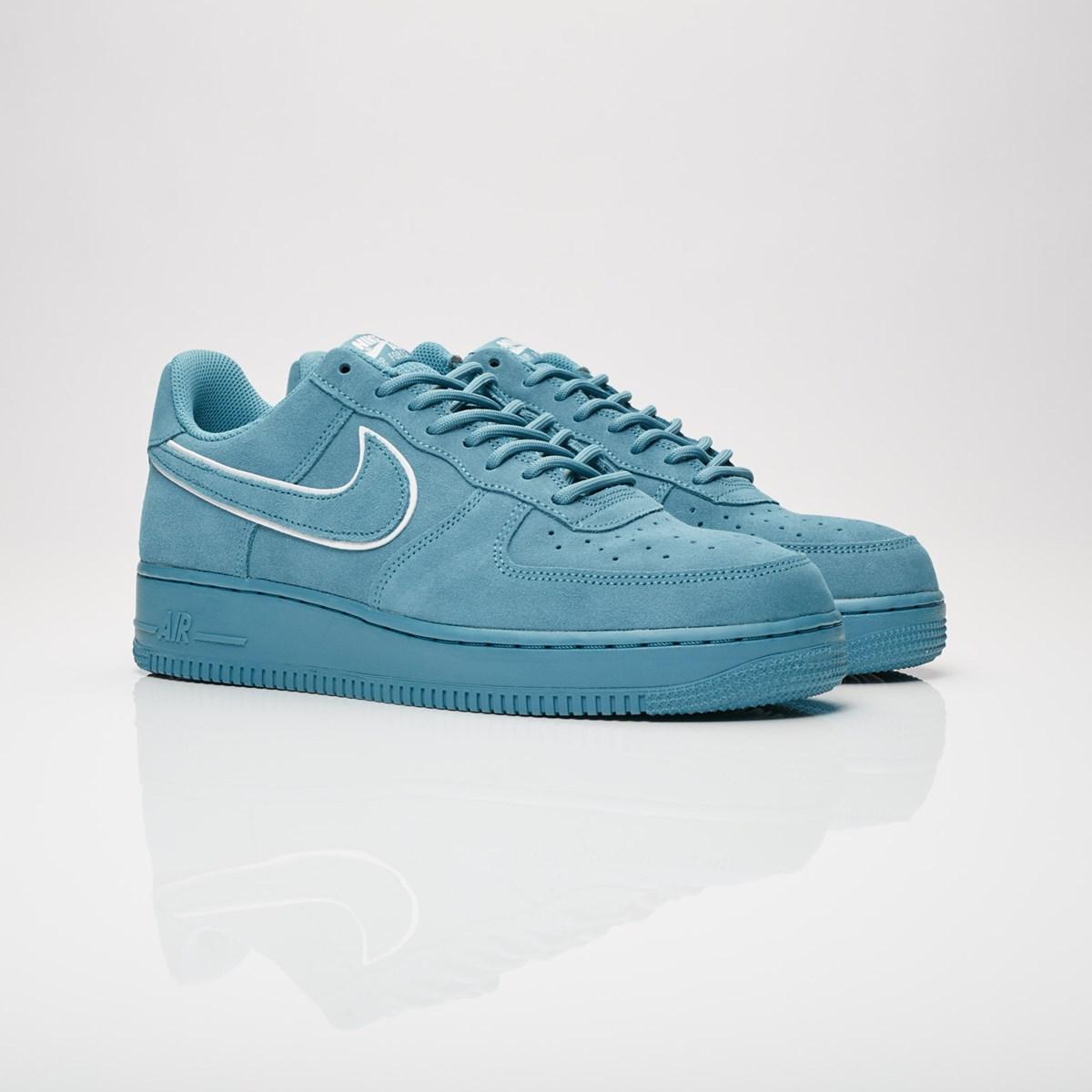 hot sale online f497e da884 nike air force 1 07 lv8 suede aa1117 400 sneakers   streetwear på nätet sen  1999
