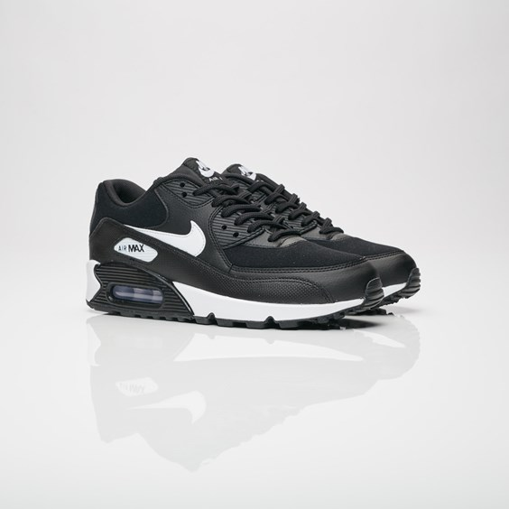 888411548478 UPC Nike 33029676 Nike Women's Air Max 90