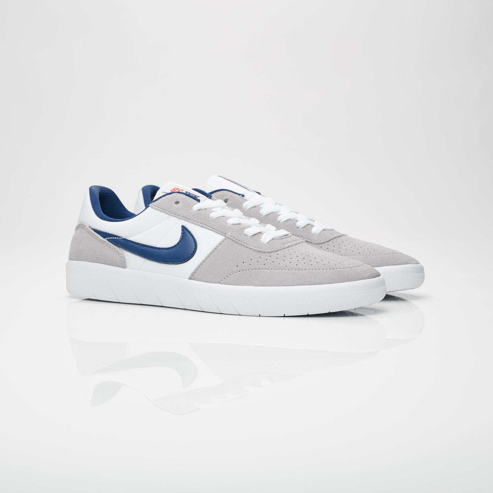 296a504d7fd76 Nike Team Classic - Ah3360-002 - Sneakersnstuff | sneakers ...