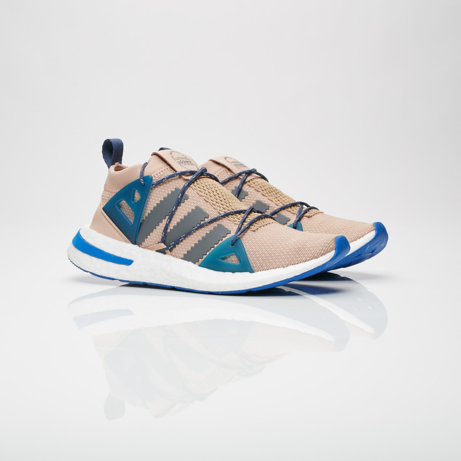 0a8e29f2d65b adidas Arkyn W - Da9604 - Sneakersnstuff