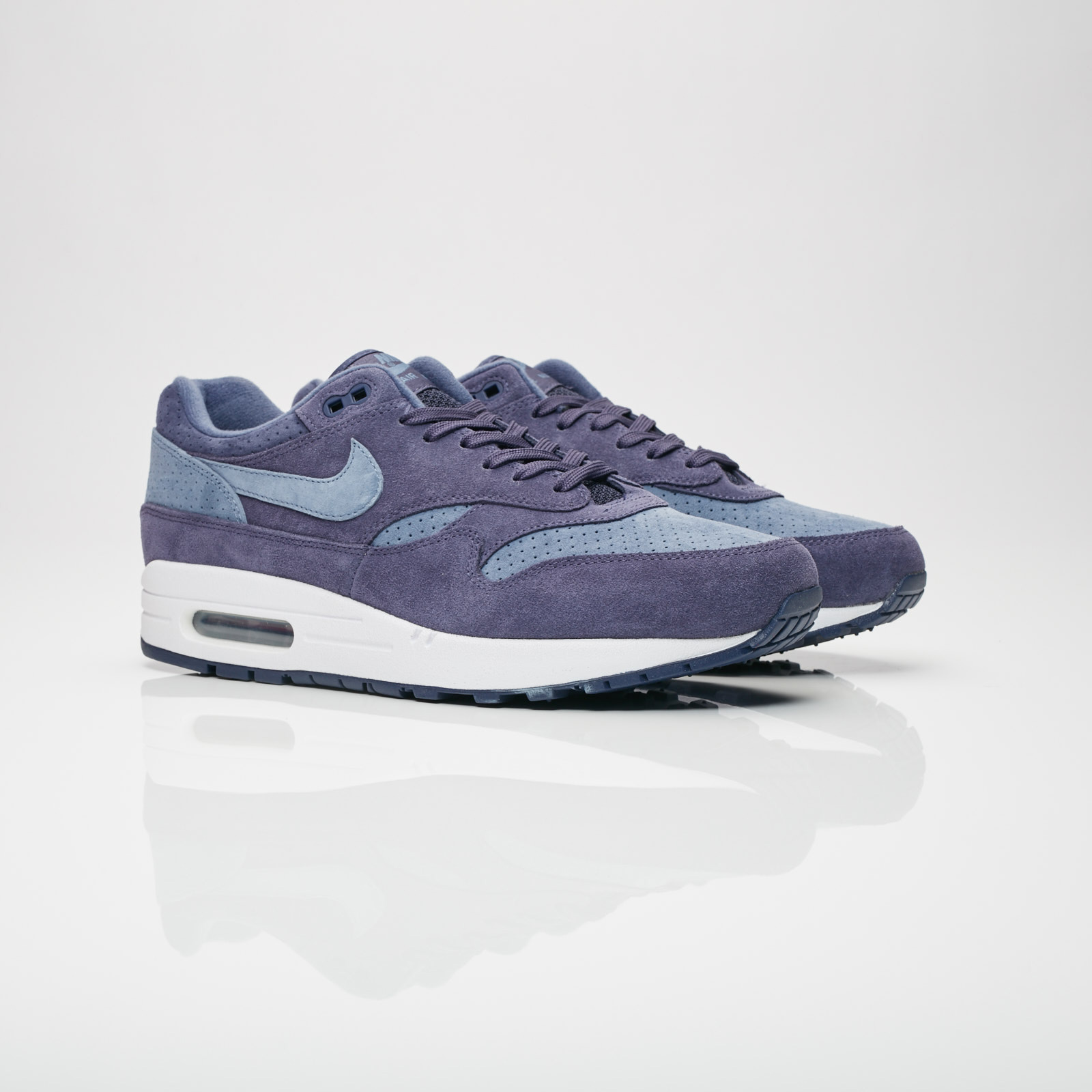 quality design 64ec5 2e229 Nike Sportswear Air Max 1 Premium