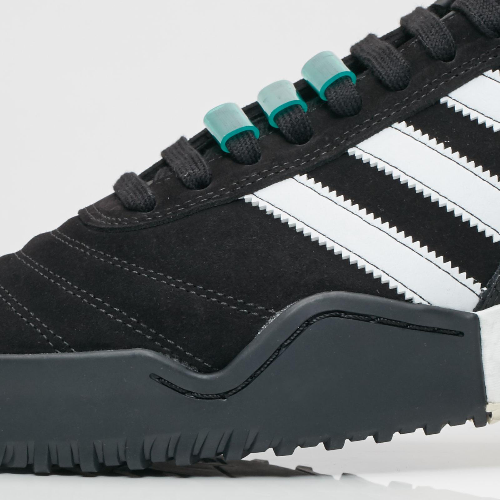3bec23125 adidas Originals by Alexander Wang Bball Soccer - 7. Close