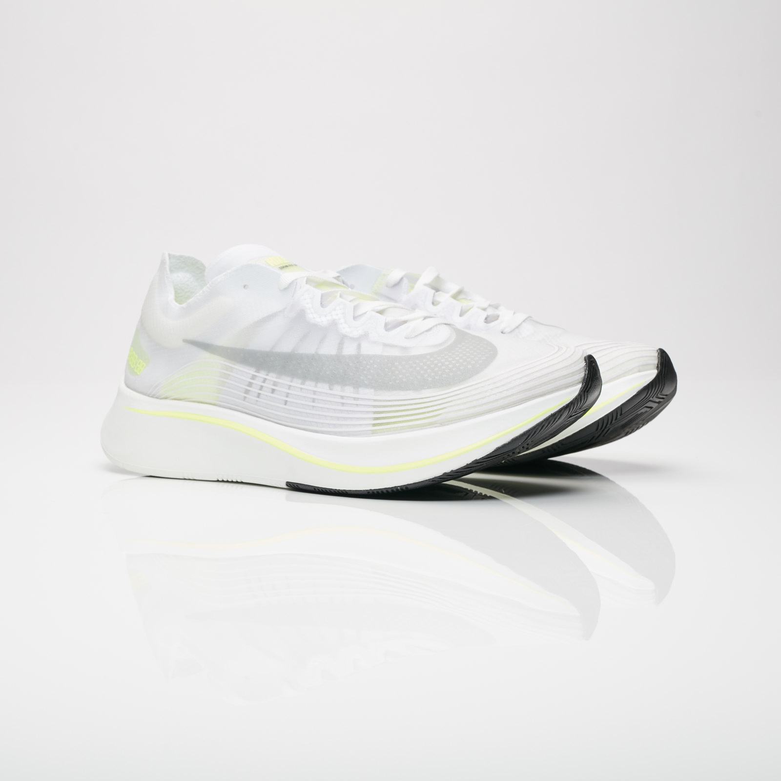 official photos 70016 d937a Nike Running Zoom Fly SP