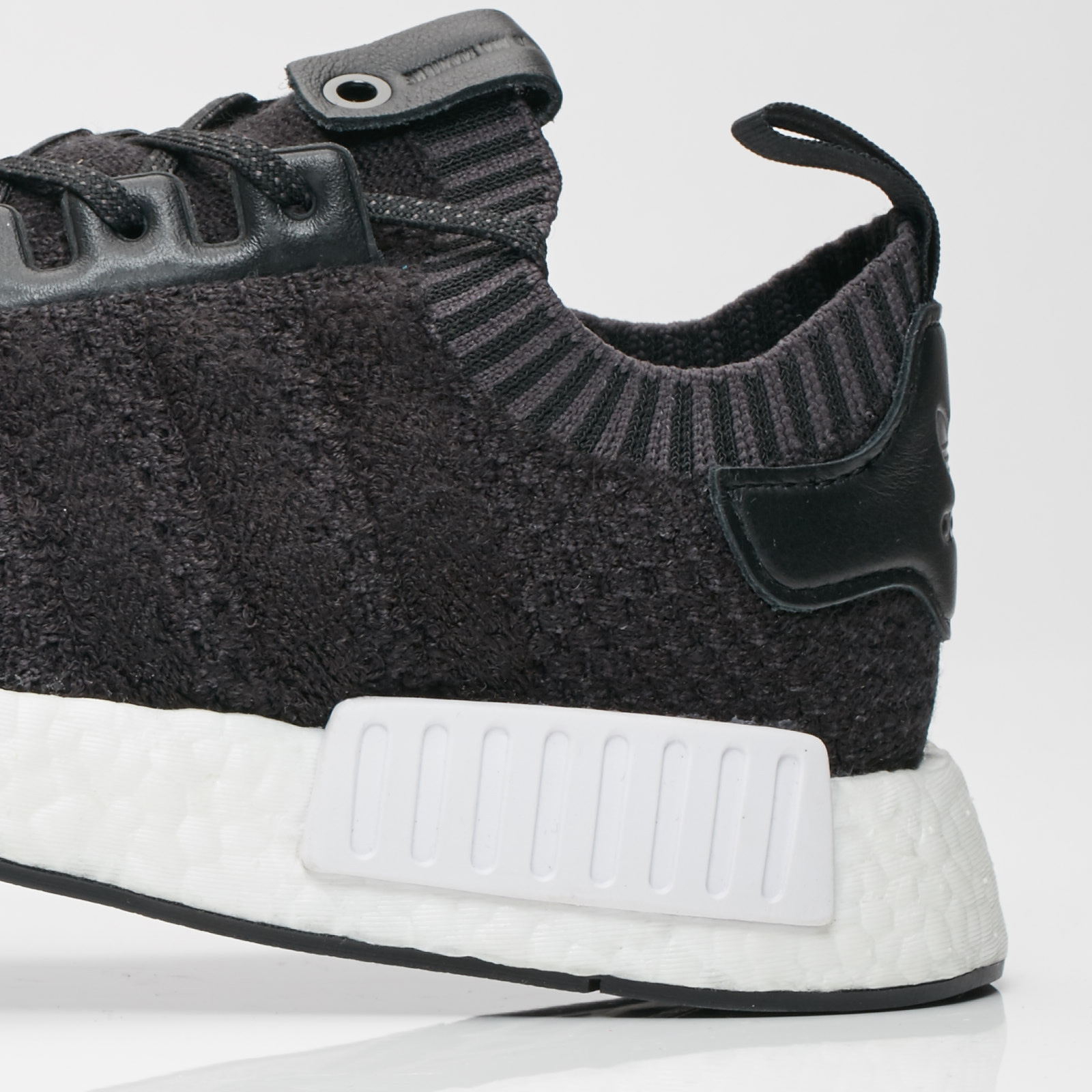 newest collection a2d2c 65a5a adidas NMD R1 | A Ma Maniere x Invincible - Cm7879 ...