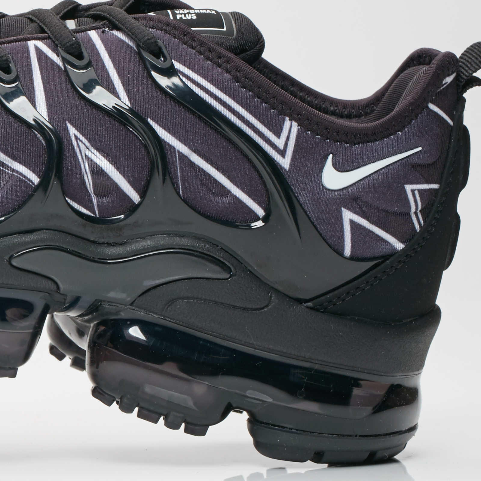 093b9170d8422 Nike Air Vapormax Plus HL - Aj6312-001 - Sneakersnstuff
