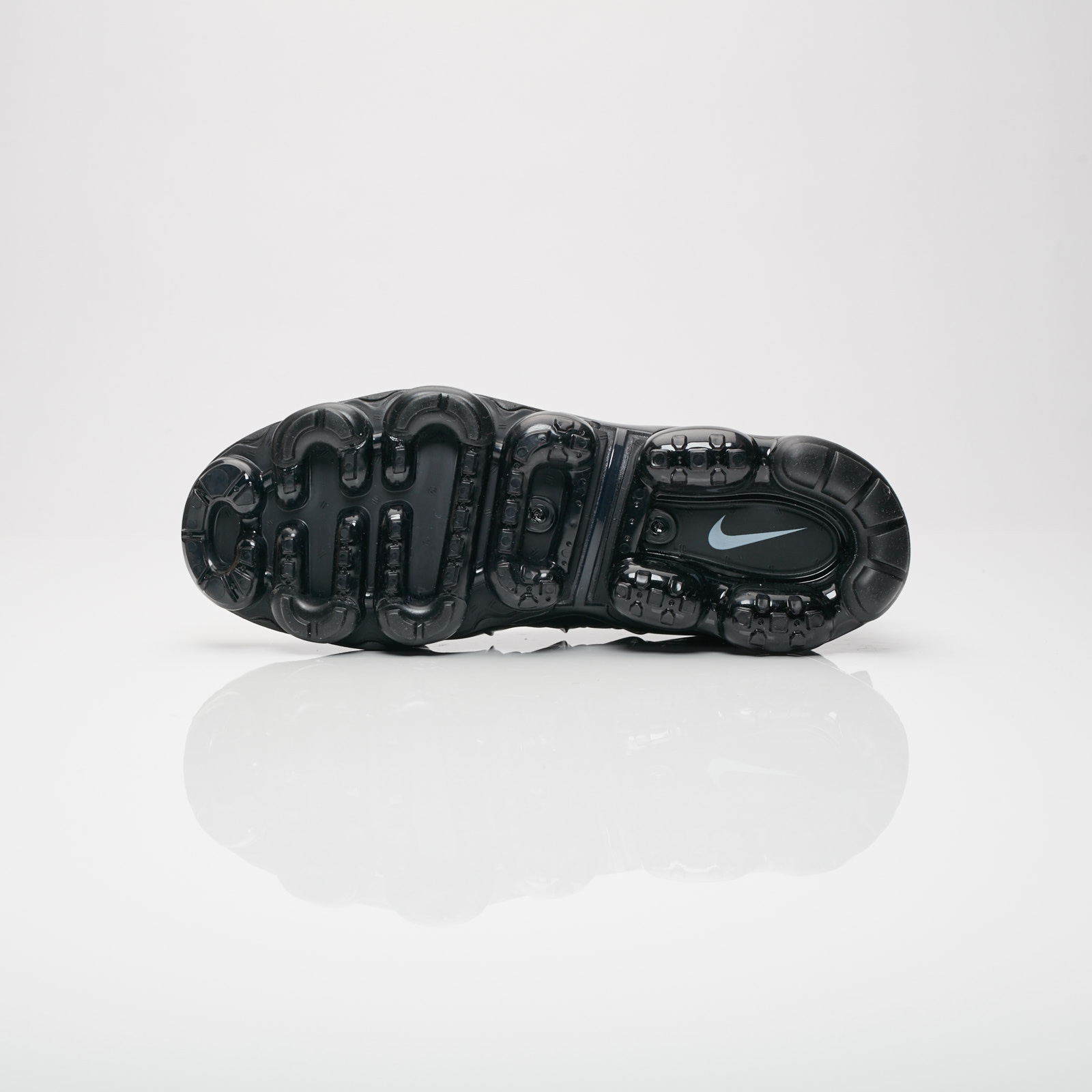 hot sales 7b3d7 edcec ... Nike Running Air Vapormax Plus HL ...