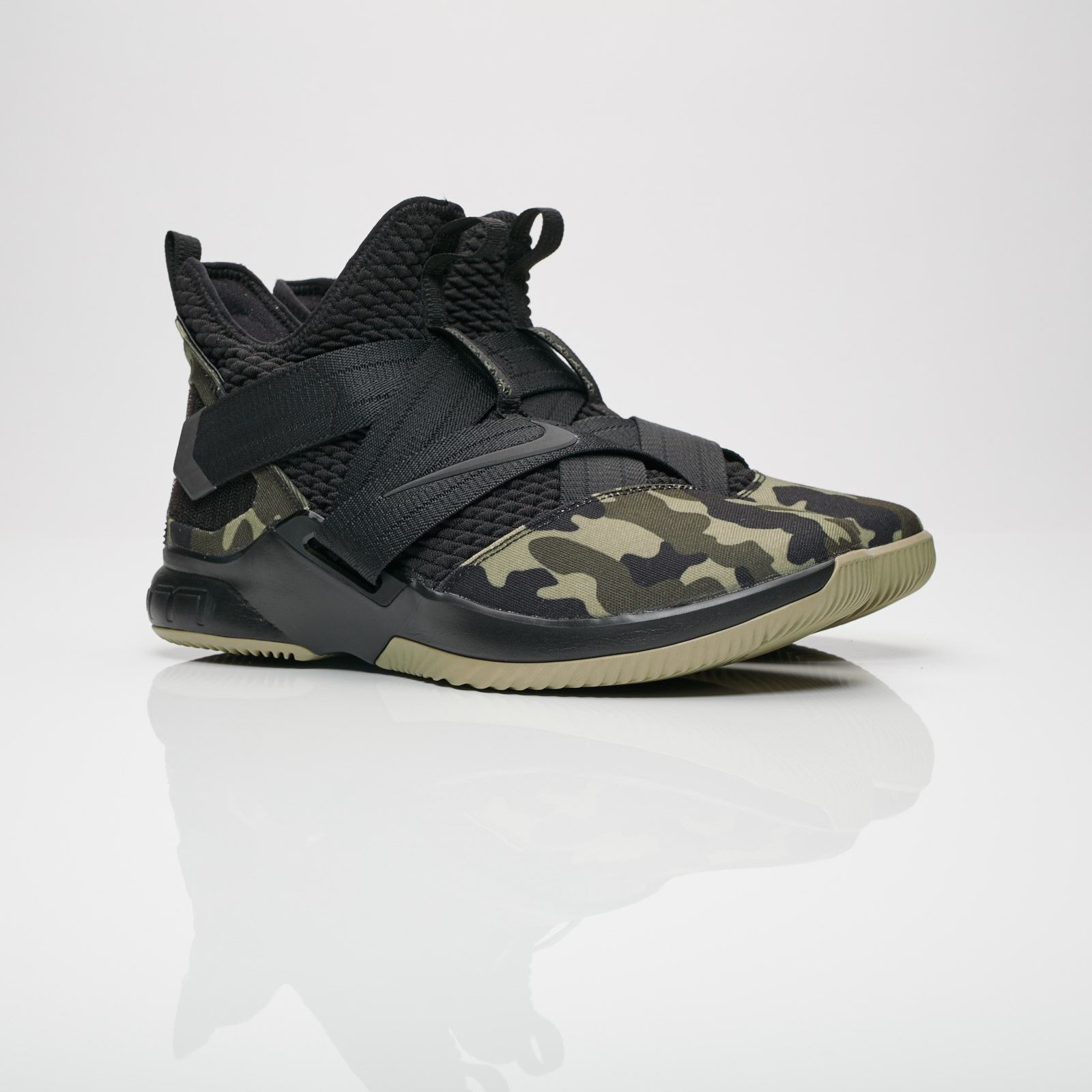 7f32fb32aef8f Nike Lebron Soldier XII SFG - Ao4054-001 - Sneakersnstuff