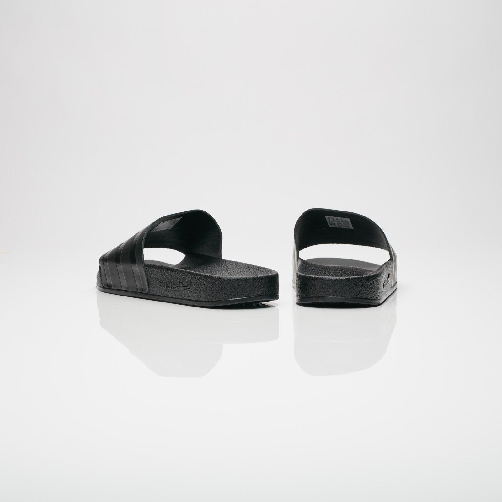 9da44c3c2f74 adidas Adilette - Cq3094 - Sneakersnstuff