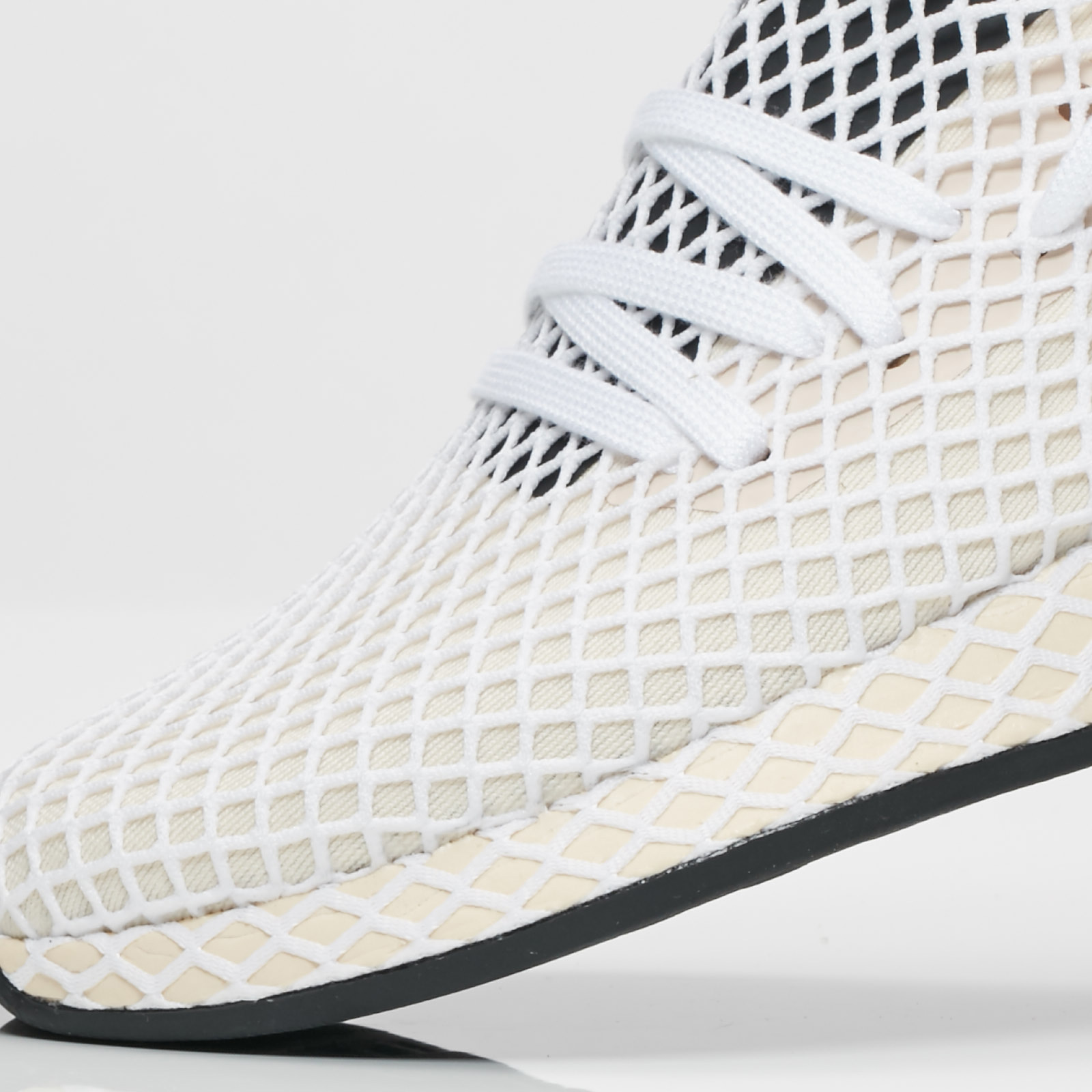 3d0418b2ffc9e adidas Deerupt Runner W - Cq2913 - Sneakersnstuff