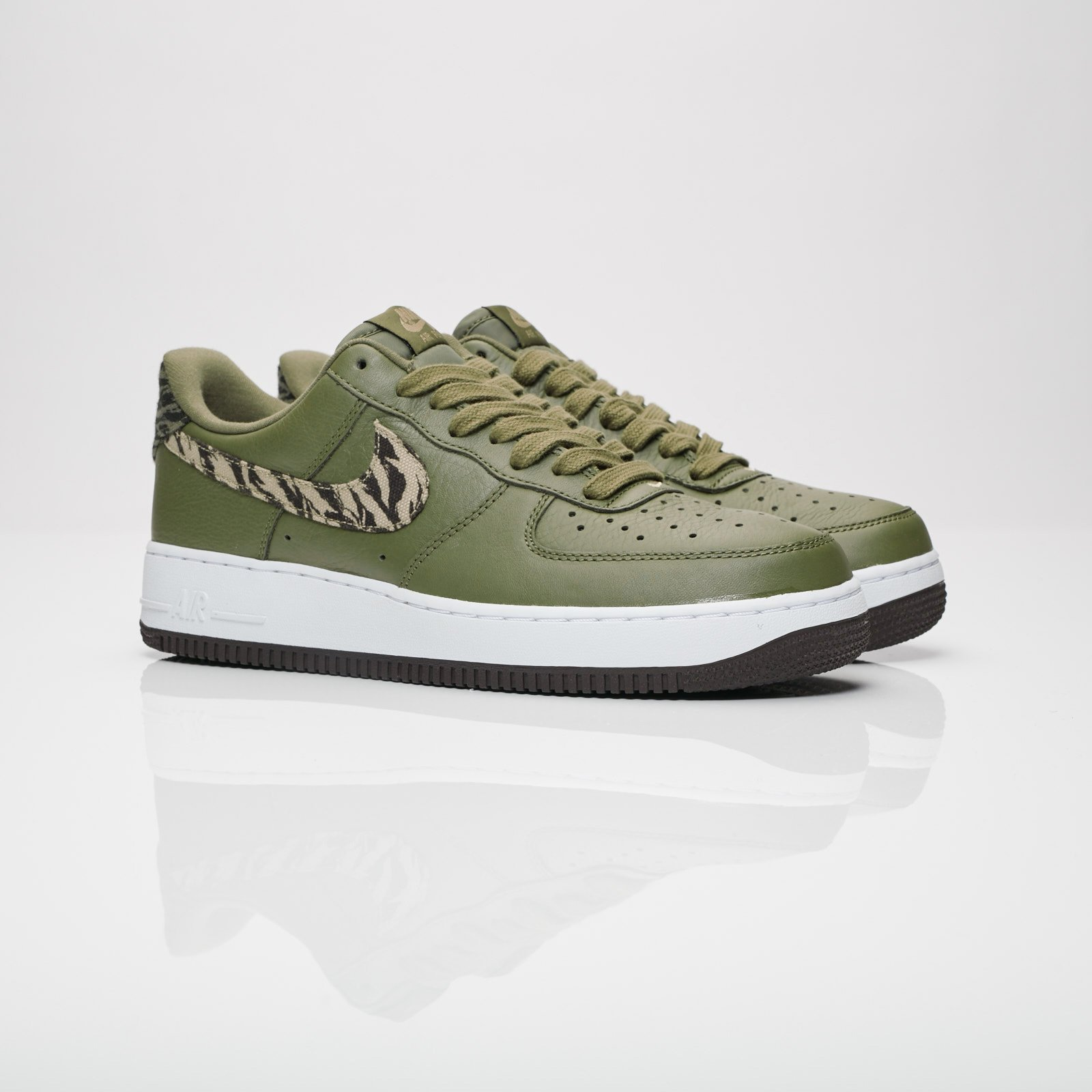 Nike Air Force 1 AOP Aq4131 200 Sneakersnstuff