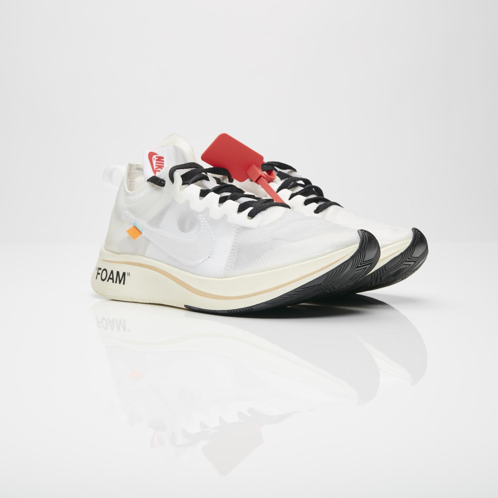 8d25a760ea1f7 Nike The 10  Zoom Fly - Aj4588-100 - Sneakersnstuff