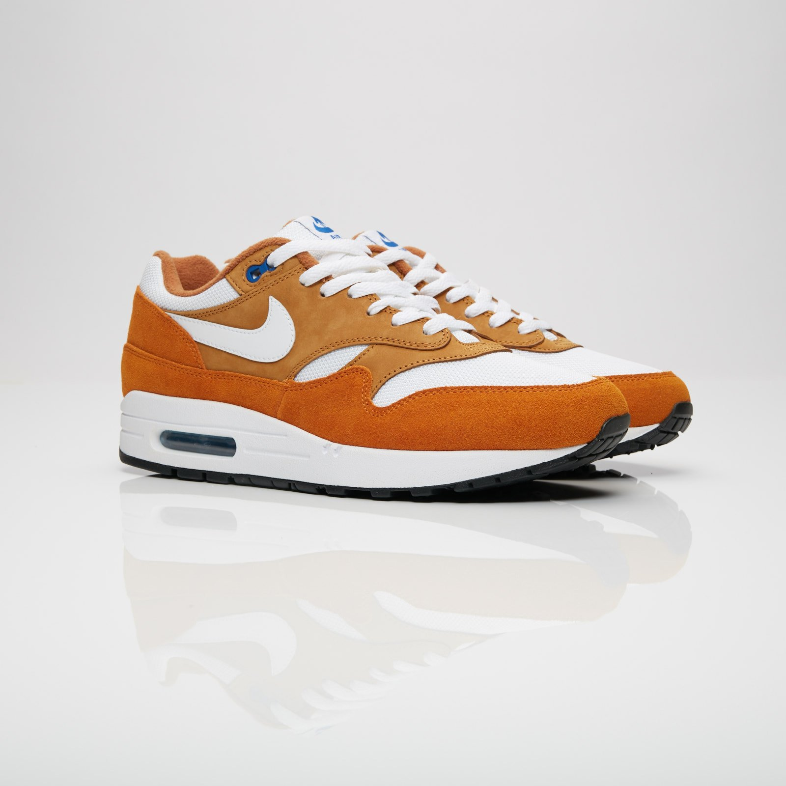 best website 4f55e ccc22 Nike Sportswear Air Max 1 Premium Retro