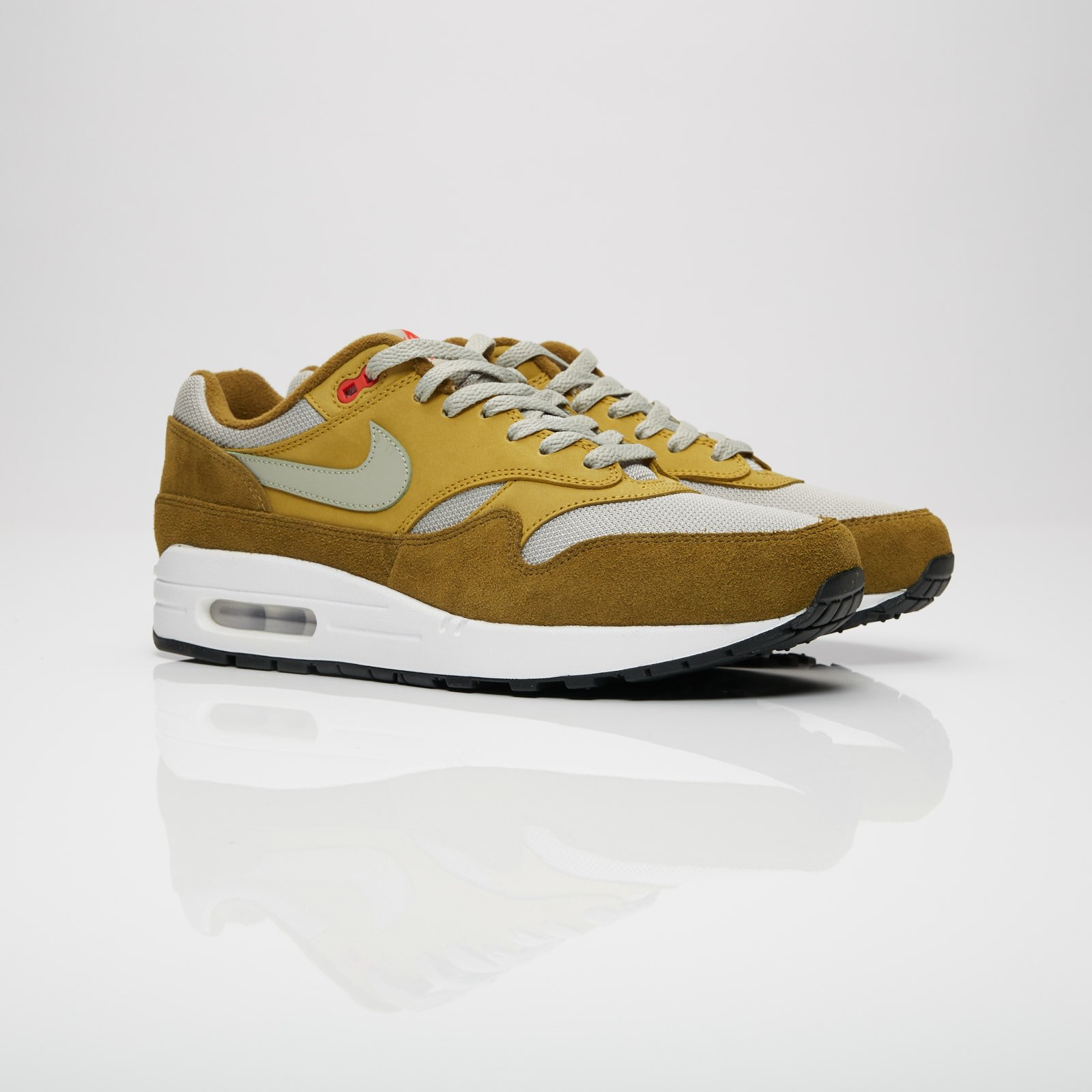best website 2e6c9 a40ec Nike Sportswear Air Max 1 Premium Retro