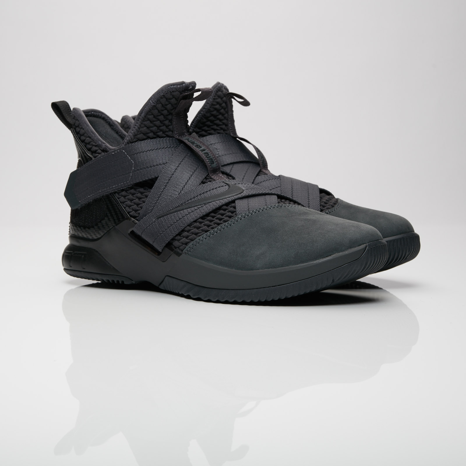 21bc4e1657a Nike Lebron Soldier XII SFG - Ao4054-002 - Sneakersnstuff