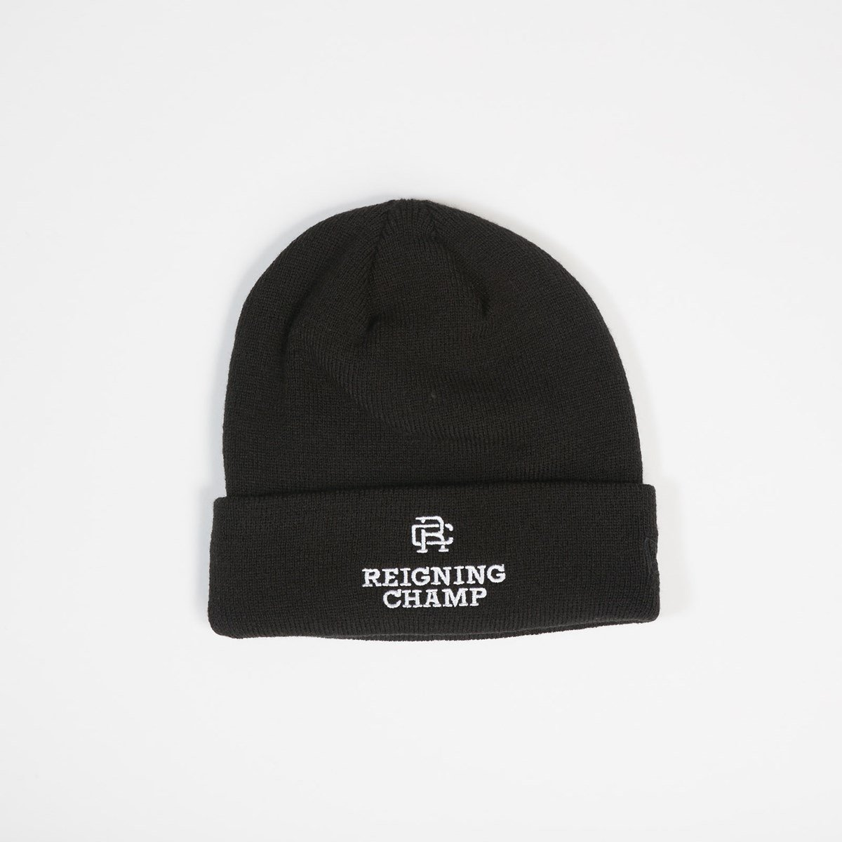 reigning champ embroidered new era beanie rc 7077 blk sneakers   streetwear  på nät... SNEAKERSNSTUFF c619b13a177a