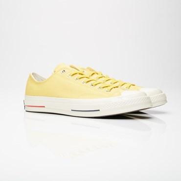 ac0241c3006 Converse - Sneakersnstuff   sneakers & streetwear på nätet sen 1999